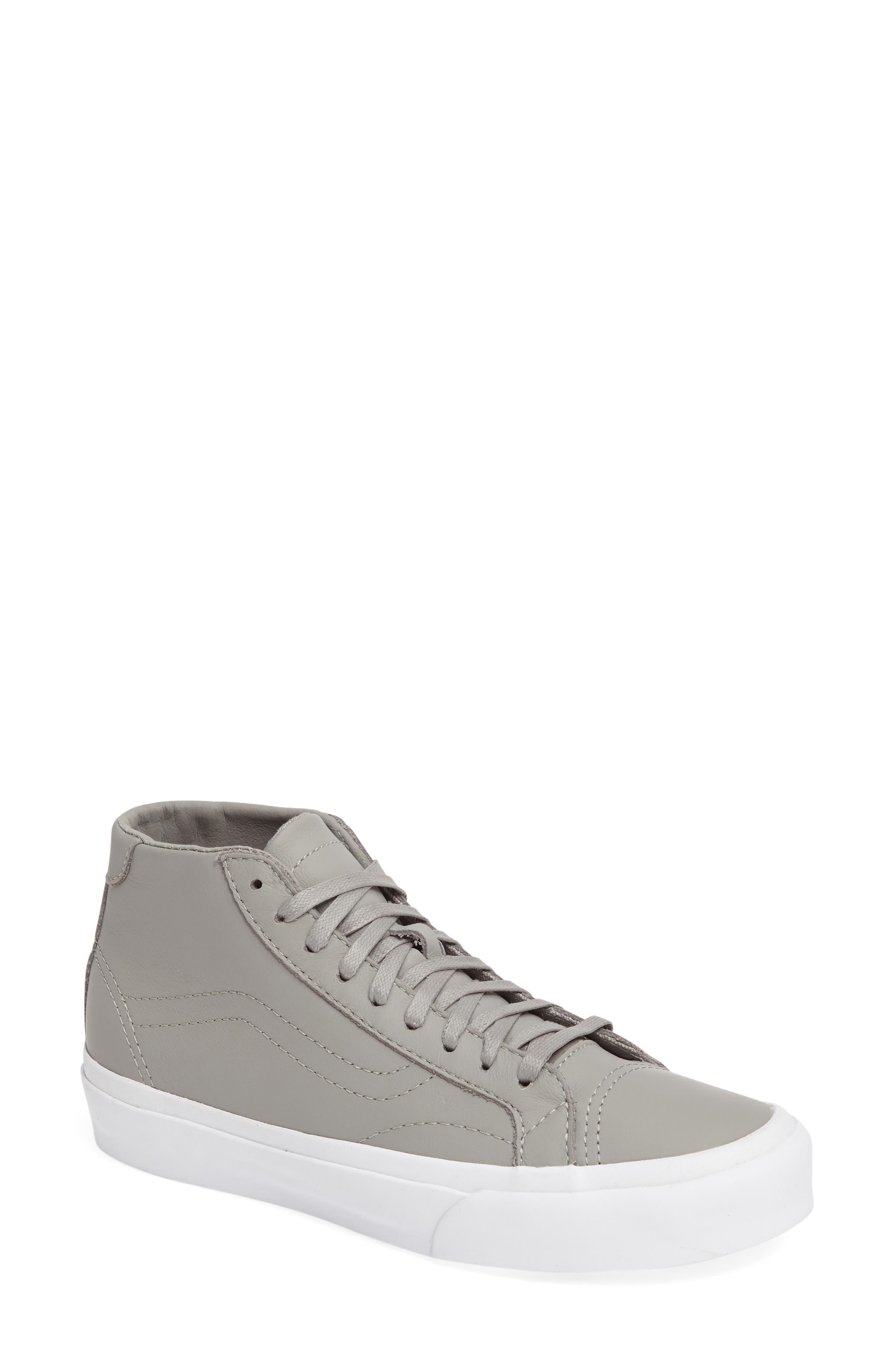 Vans Court DX Mid Sneaker (Women)