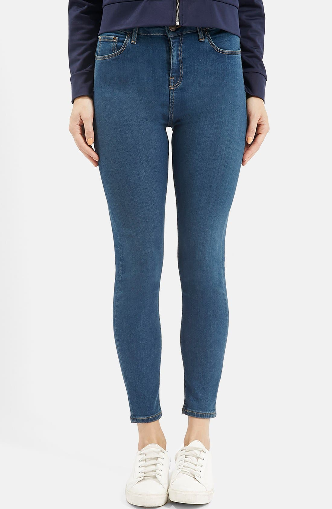 Main Image - Topshop Moto 'Jamie' High Rise Skinny Jeans (Blue)