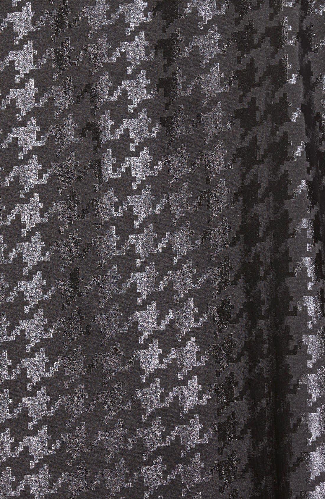 Alternate Image 5  - MycraPac DesignerWear 'ShortDonatella' Reversible Pleat Hood PackableTravel Coat