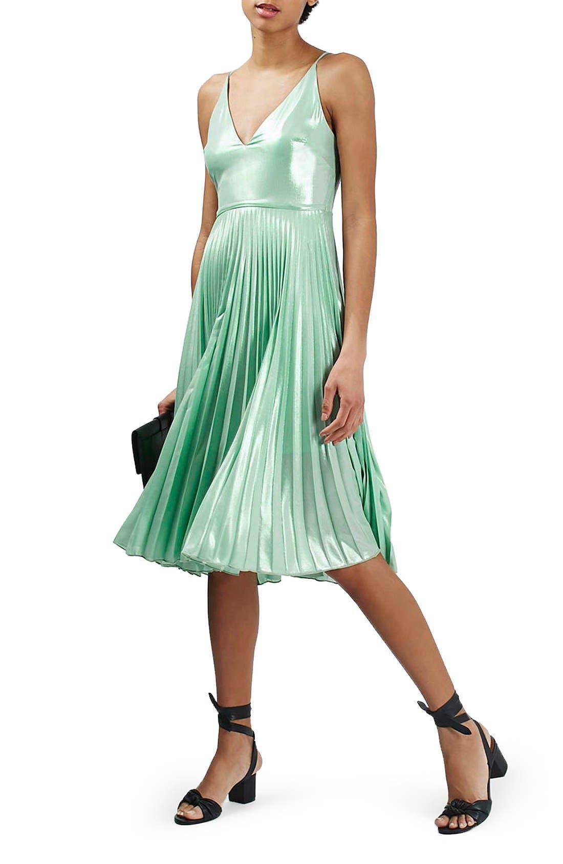 Main Image - Topshop Metallic Plunge Pleat Midi Dress