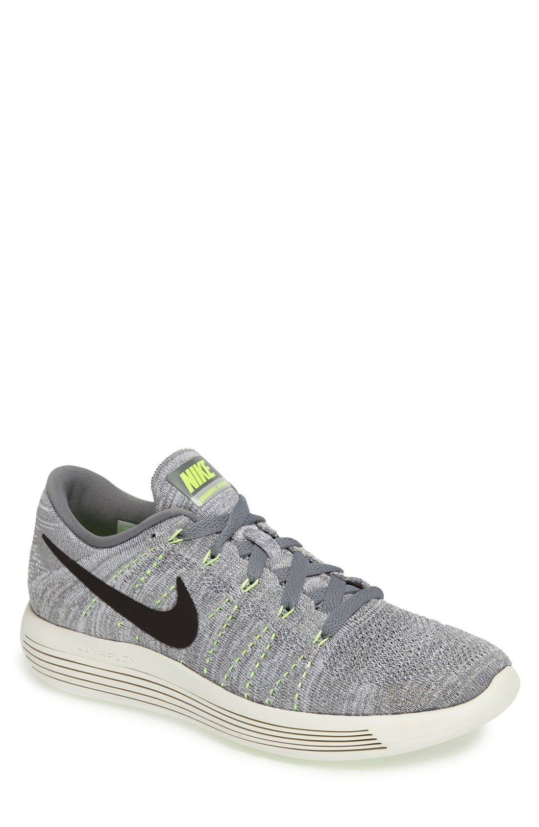 Main Image - Nike 'LunarEpic Low Flyknit' Running Shoe (Men)
