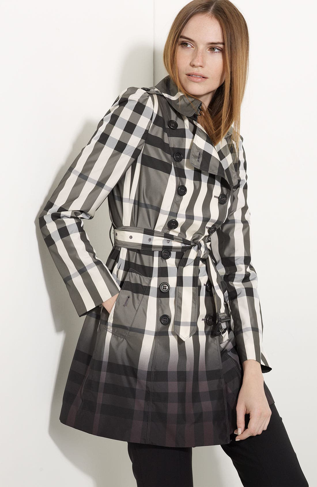 Alternate Image 1 Selected - Burberry London Dégradé Check Print Trench