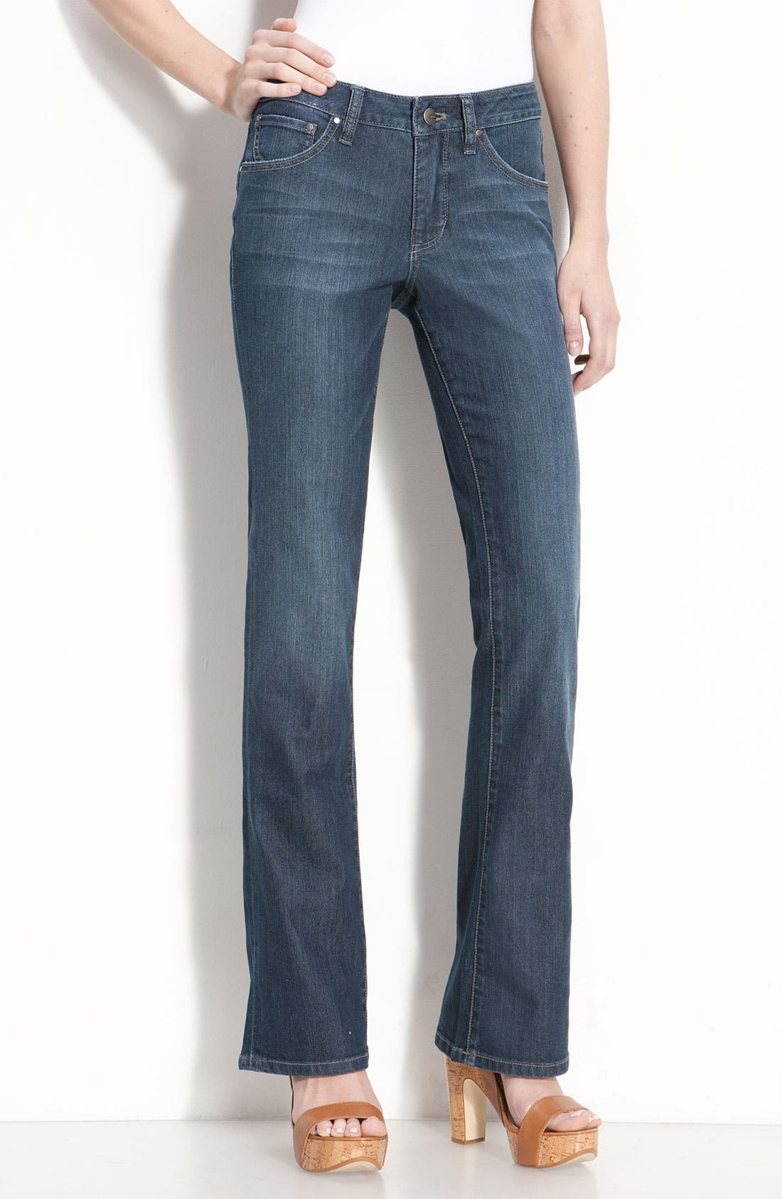 Main Image - Jag Jeans 'Trudie' Slim Flare Leg Jeans (Petite) (Online Exclusive)