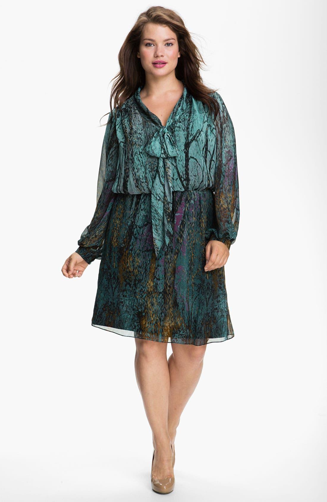 Main Image - Donna Ricco Tie Neck Chiffon Blouson Dress (Plus)