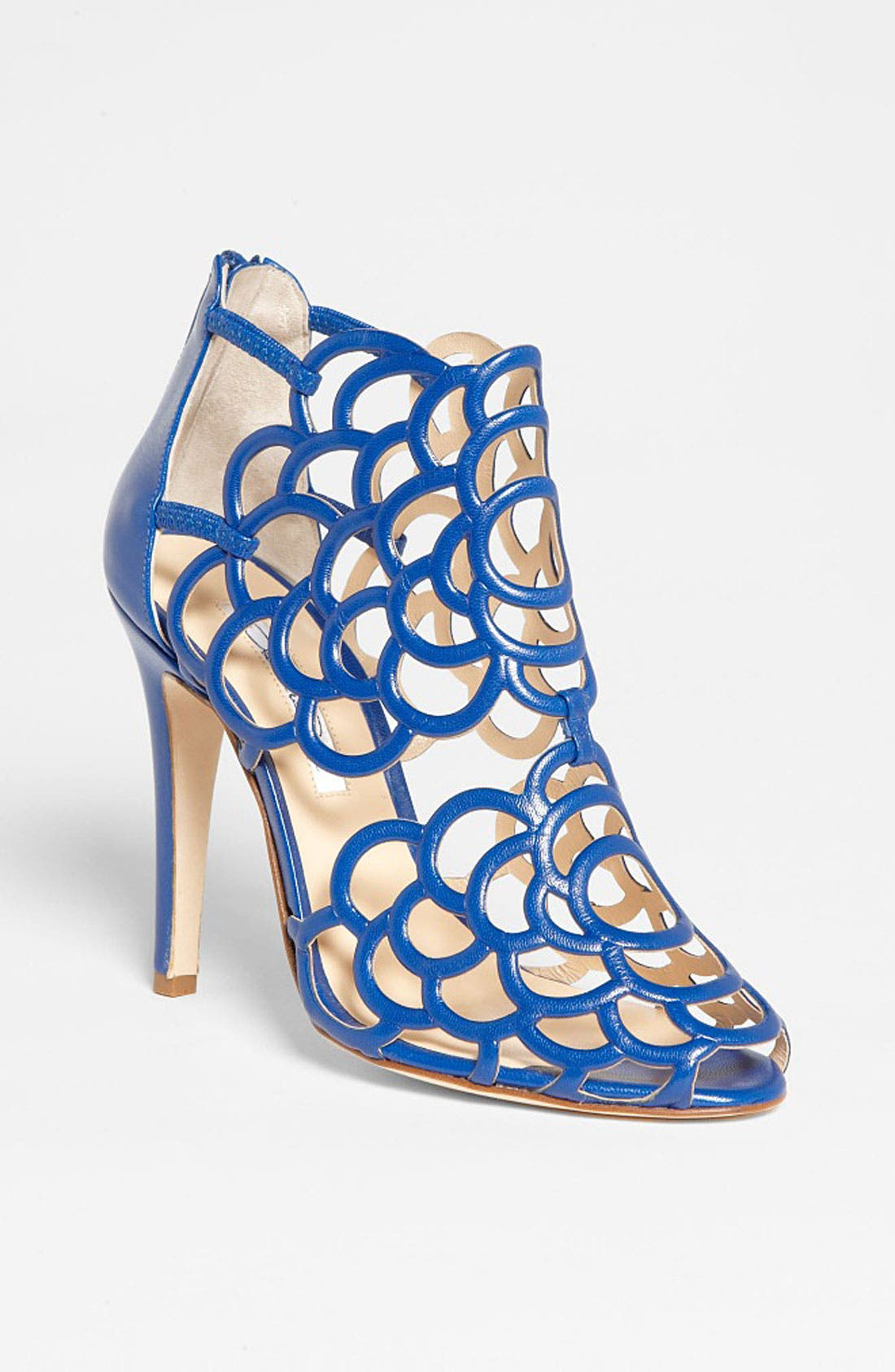 Alternate Image 1 Selected - Oscar de la Renta 'Gladia' Cage Sandal