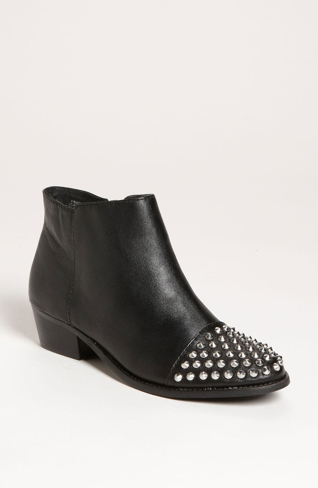 Alternate Image 1 Selected - Steve Madden 'Praque' Bootie