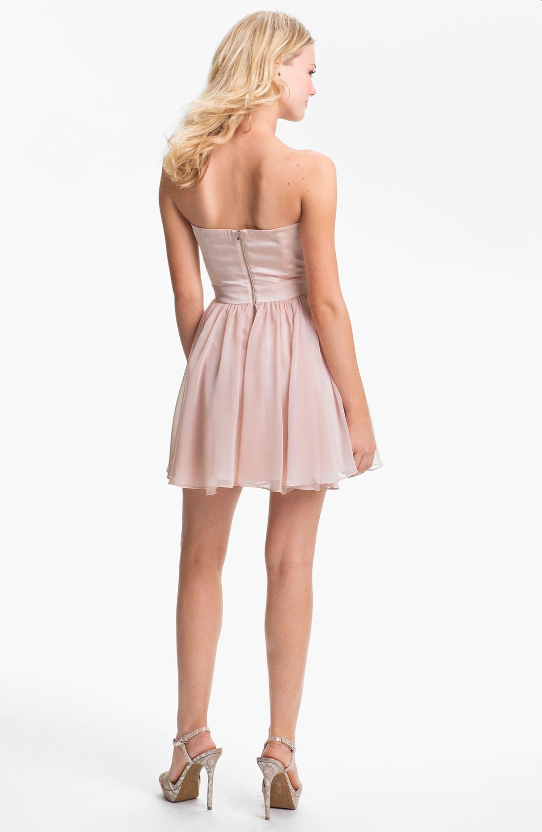Alternate Image 2  - En Crème Strapless Scalloped Chiffon Dress (Juniors)