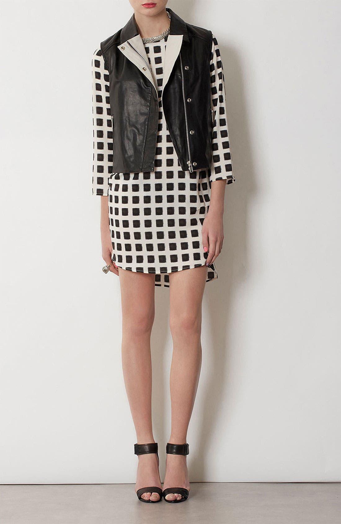 Alternate Image 1 Selected - Topshop Grid Print Shift Dress