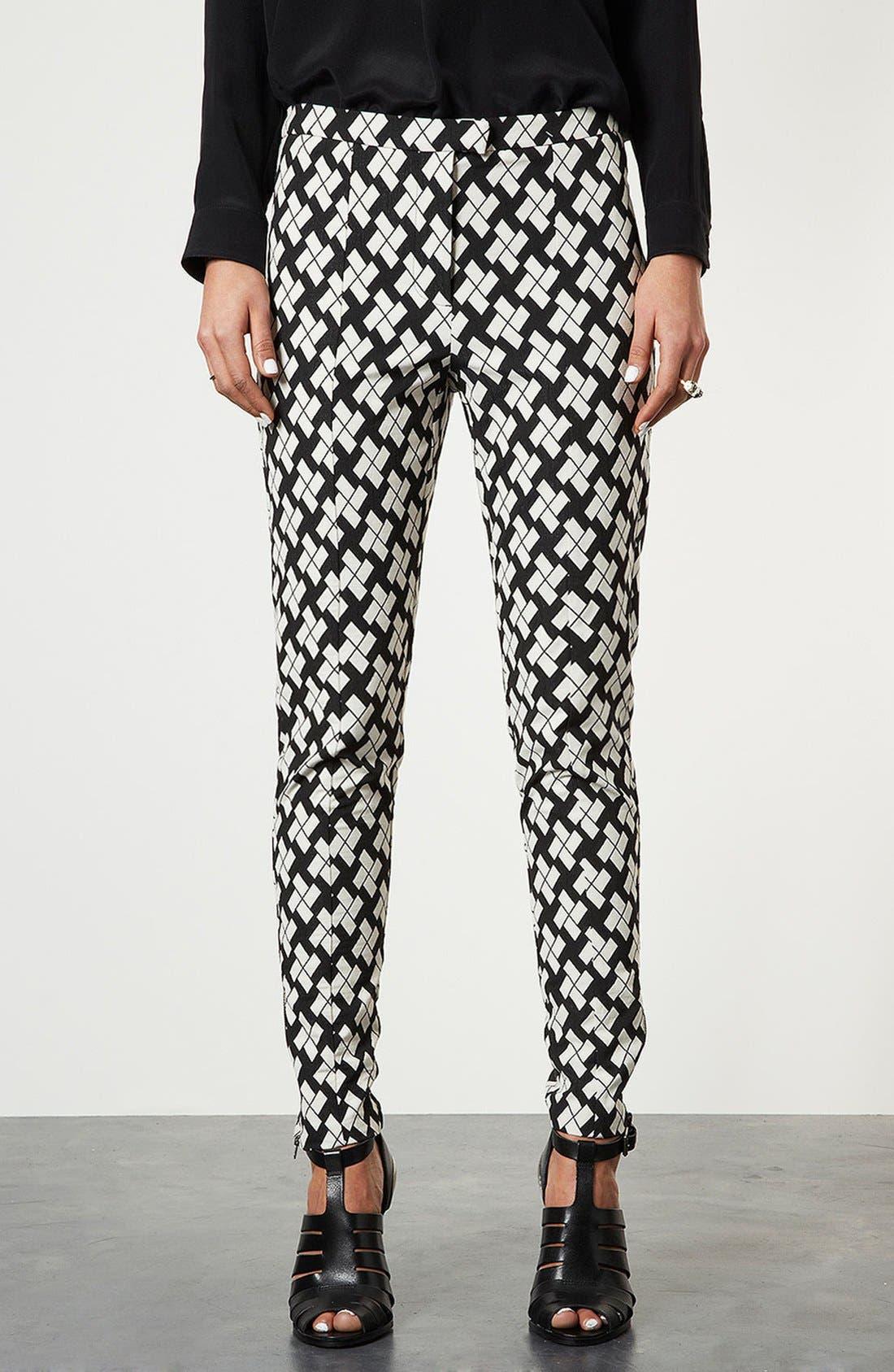 Main Image - Topshop Pinwheel Print Tapered Pants