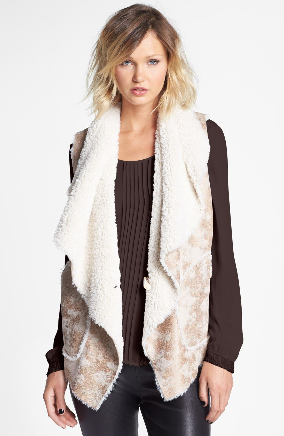 Main Image - Damselle Faux Shearling Vest