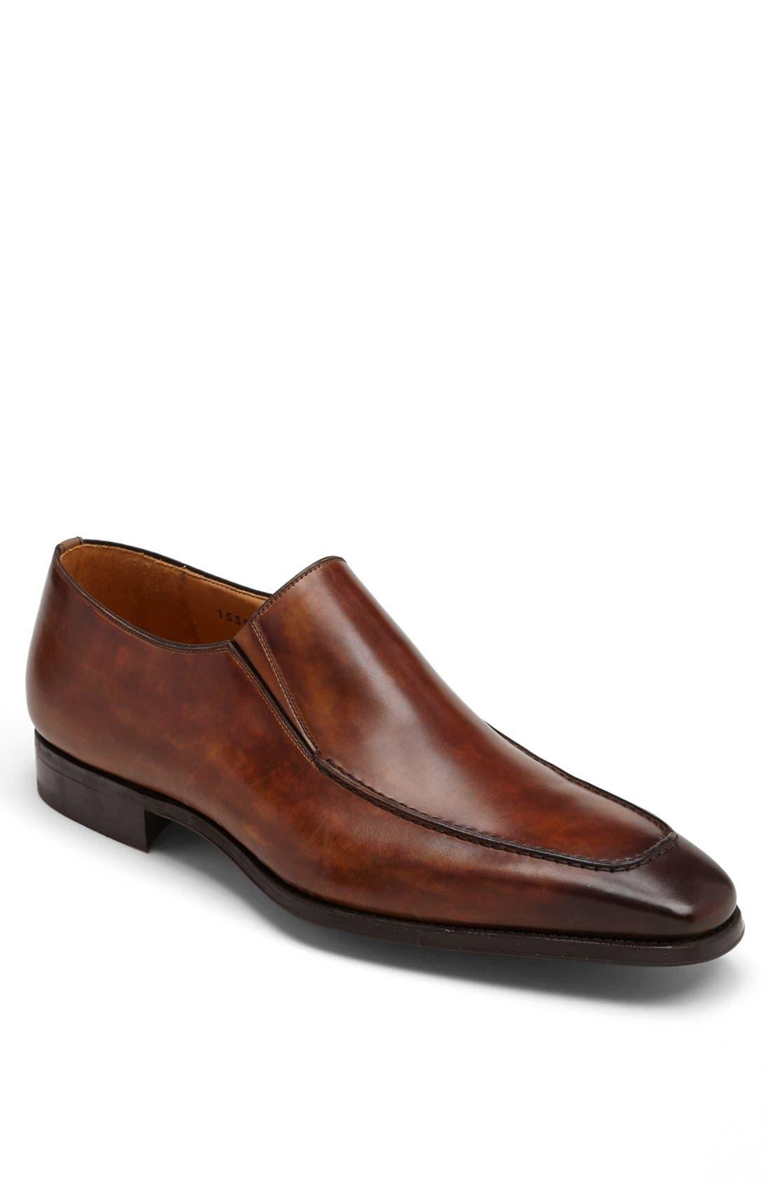 Alternate Image 1 Selected - Magnanni 'Leo' Venetian Loafer