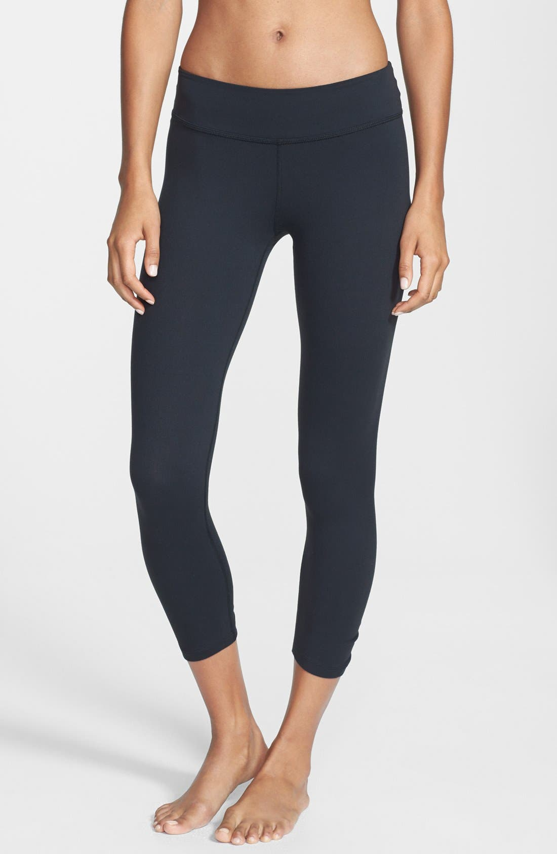Main Image - Beyond Yoga Gathered Capri Leggings