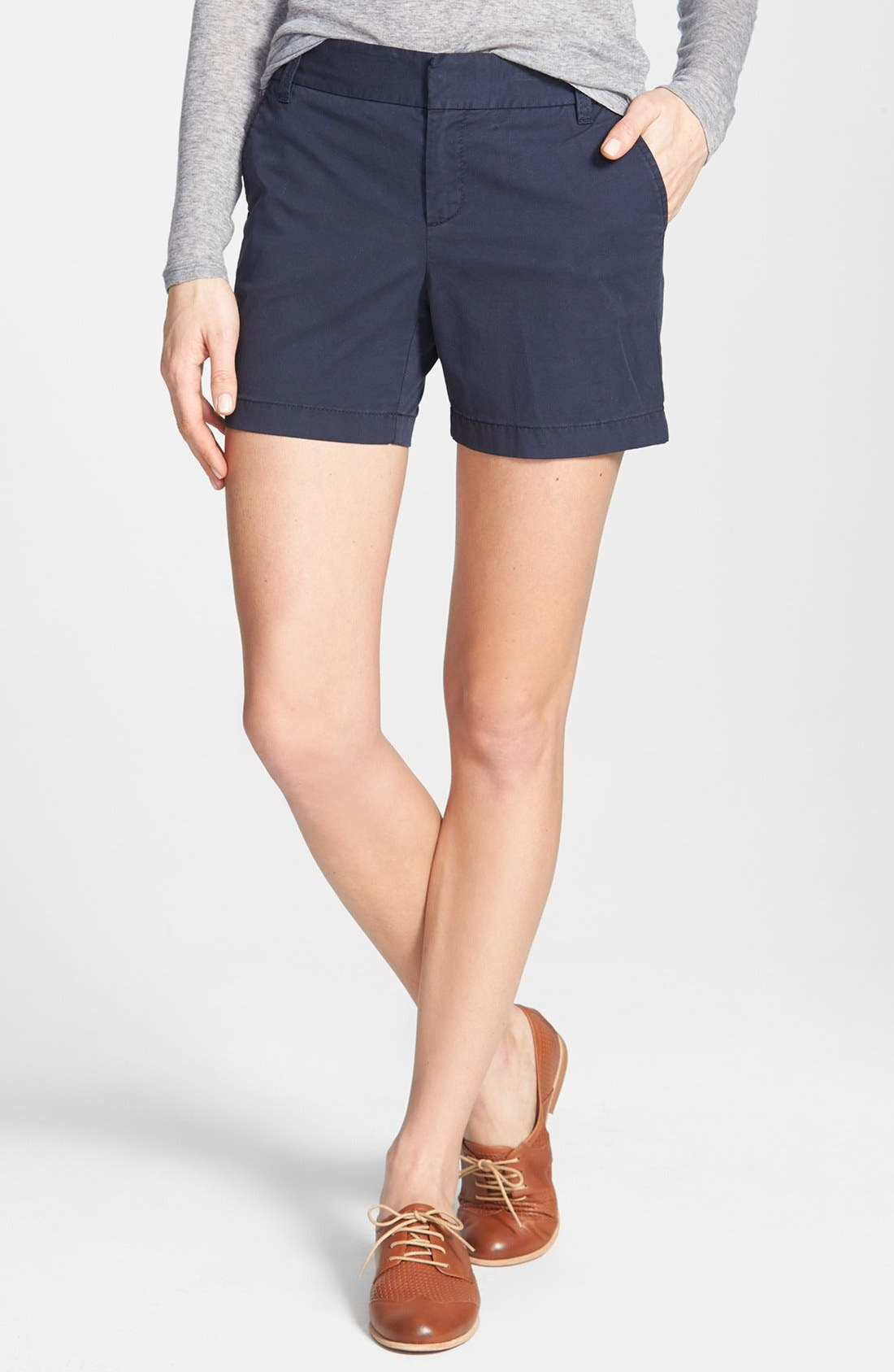 Alternate Image 1 Selected - Caslon® Clean Front Five-Inch Shorts (Regular & Petite)