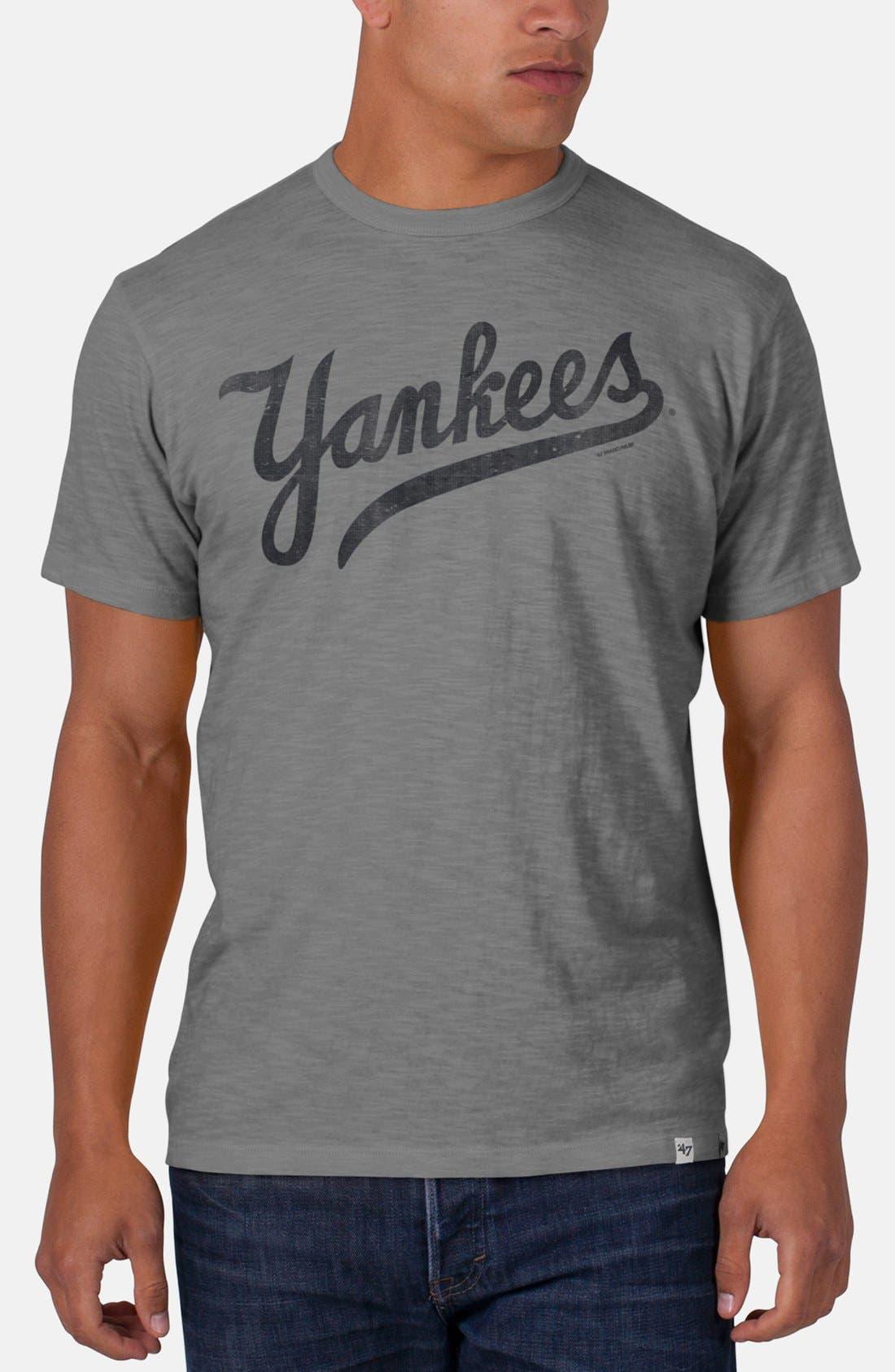 Main Image - 47 Brand 'New York Yankees - Scrum' Graphic T-Shirt