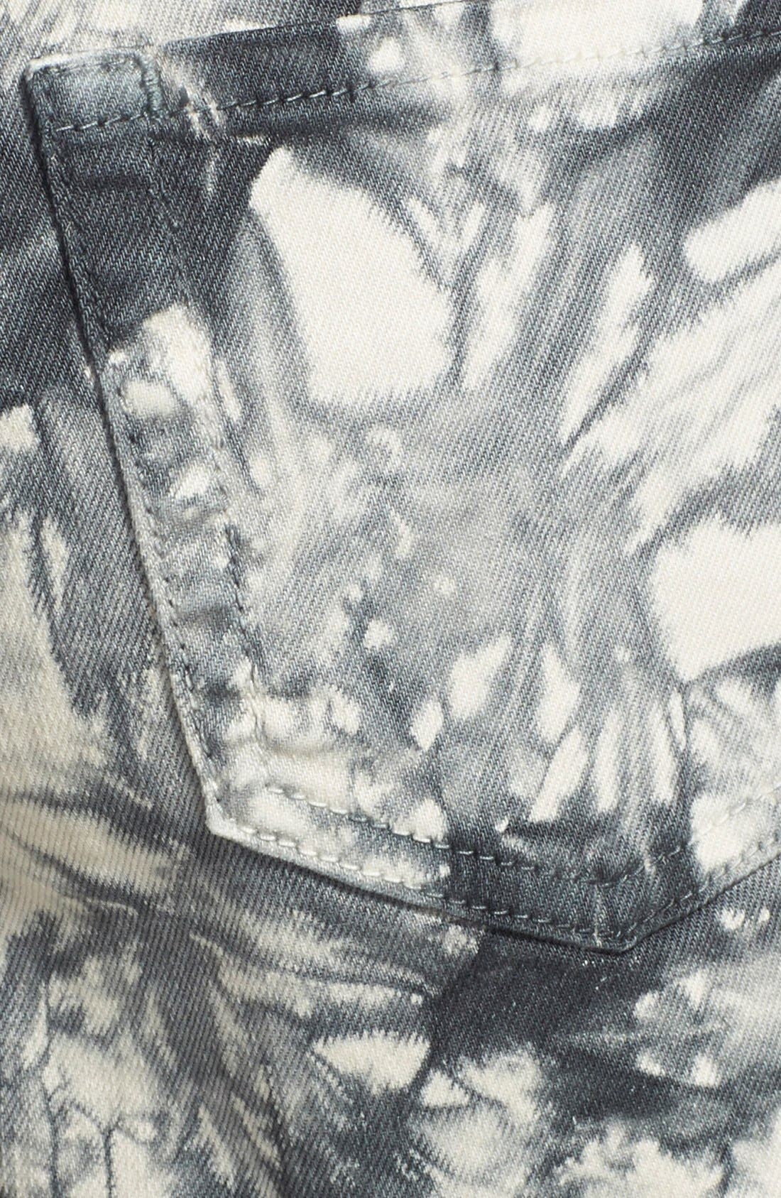 Alternate Image 3  - Sun & Shadow Tie Dye Frayed Shorts (Juniors)