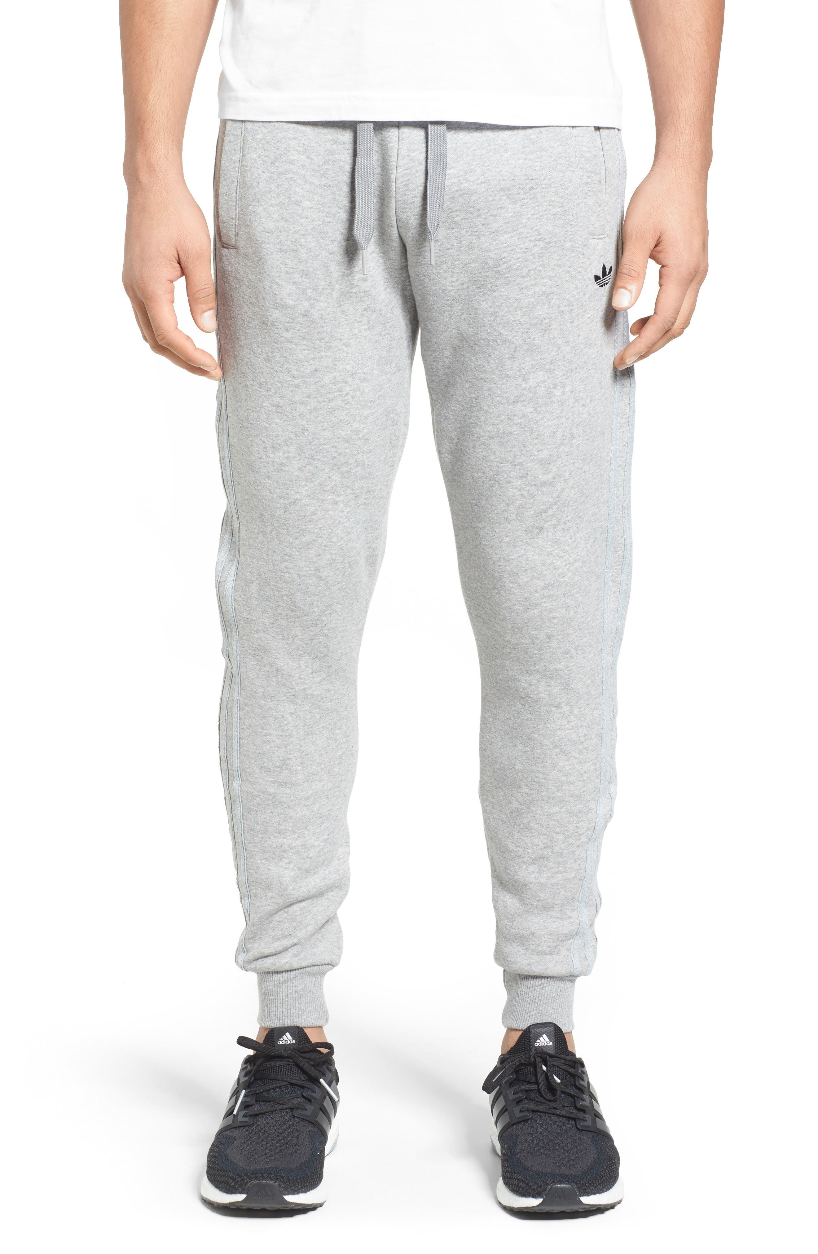 Main Image - adidas Originals Tapered Fit Sweatpants