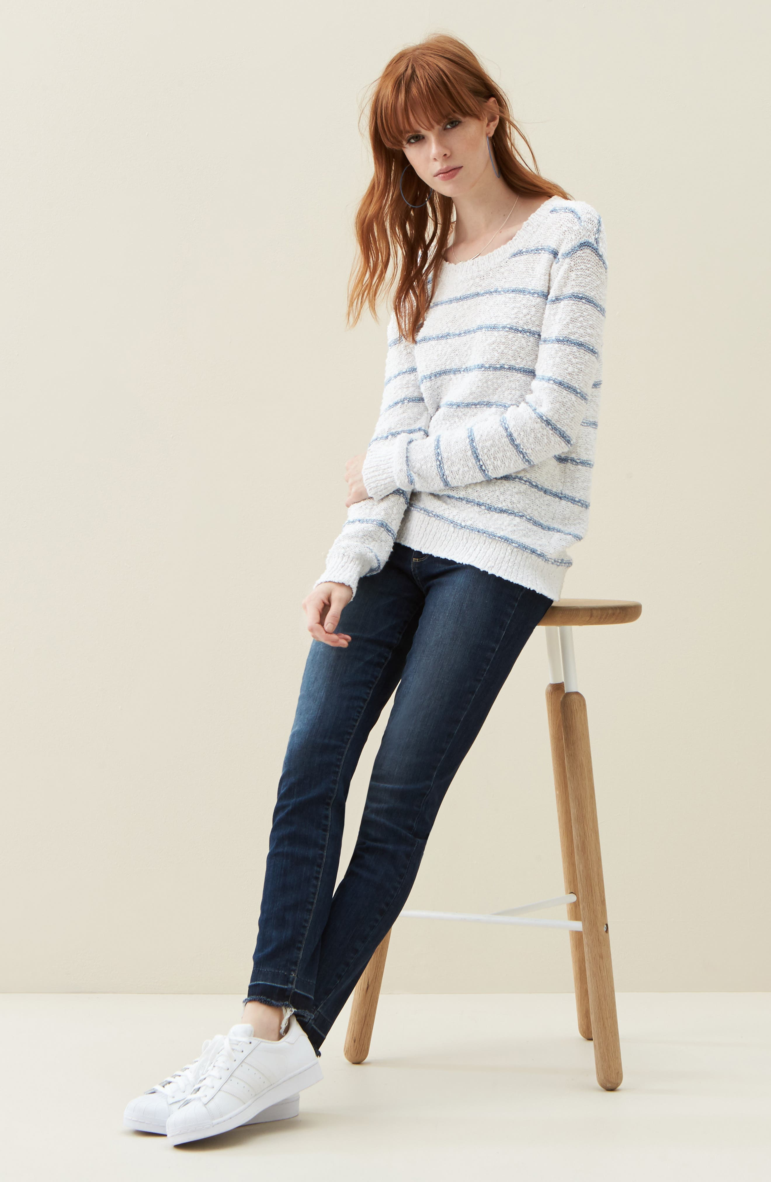 PAIGE Sweater & Jeans Outfit with Accessories