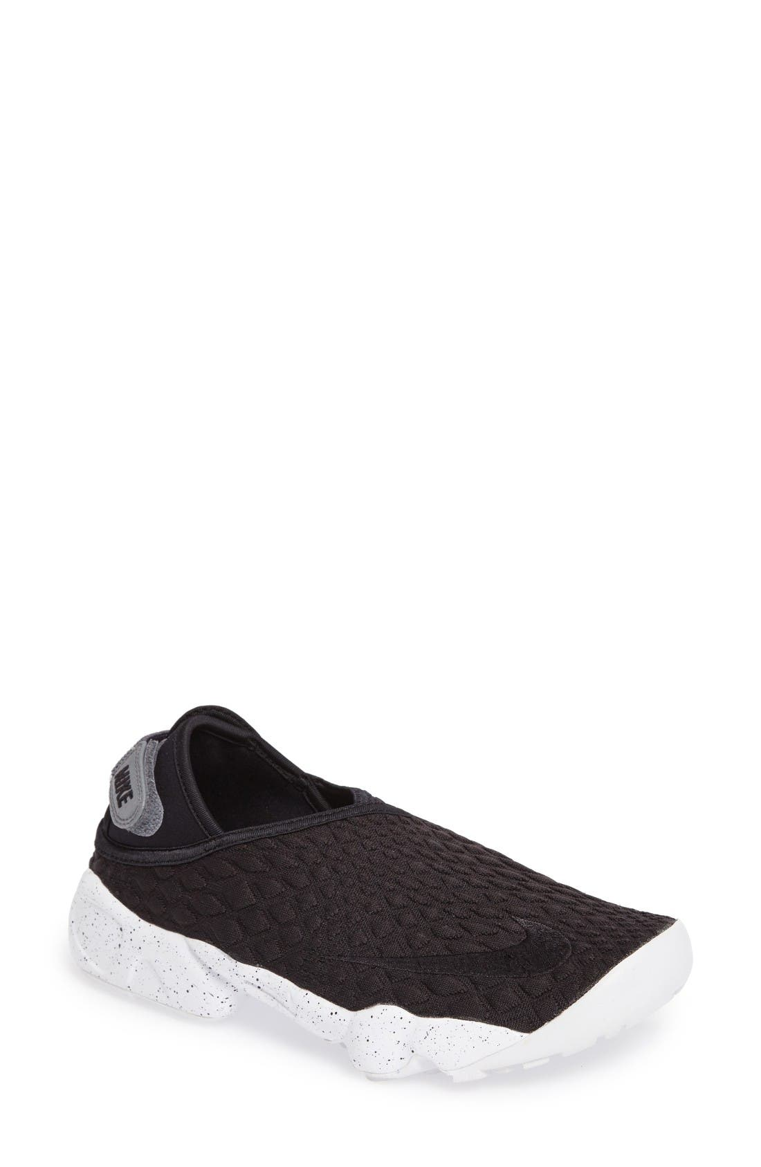 NIKE Rift Wrap Slip-On Sneaker