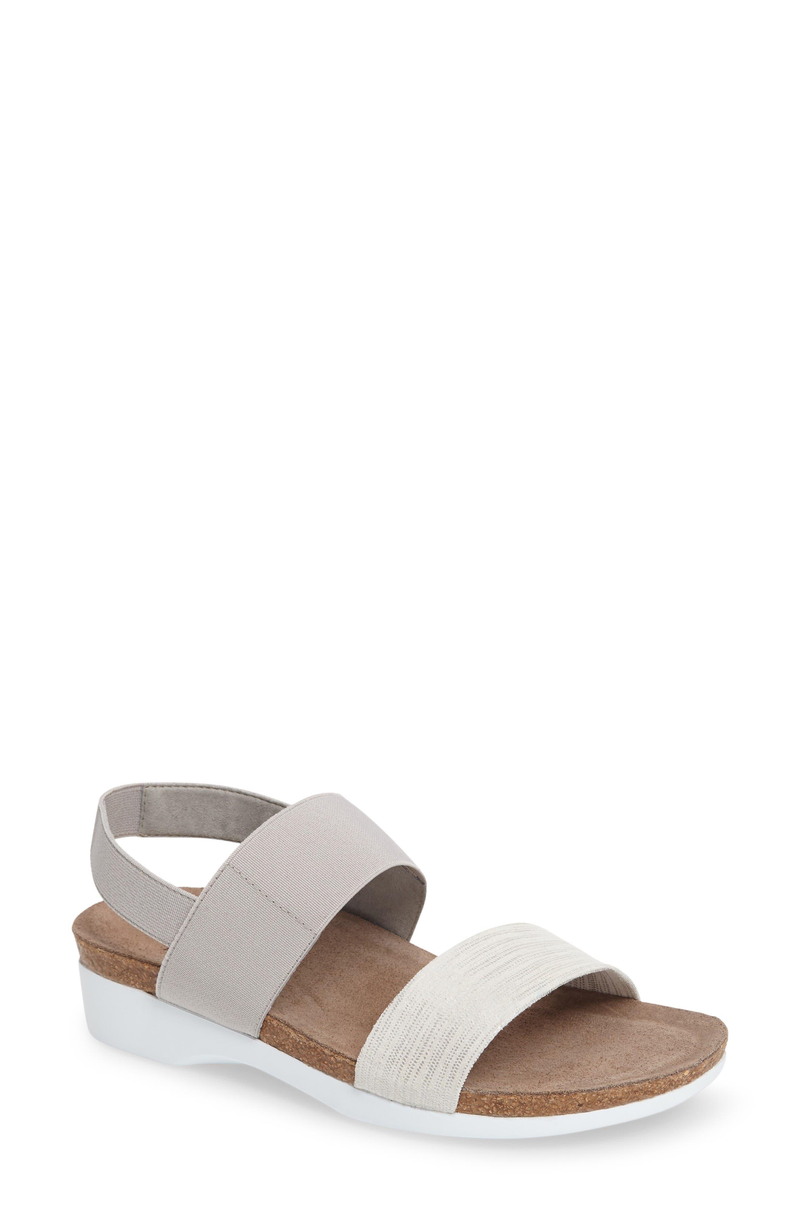 Alternate Image 1 Selected - Munro 'Pisces' Sandal