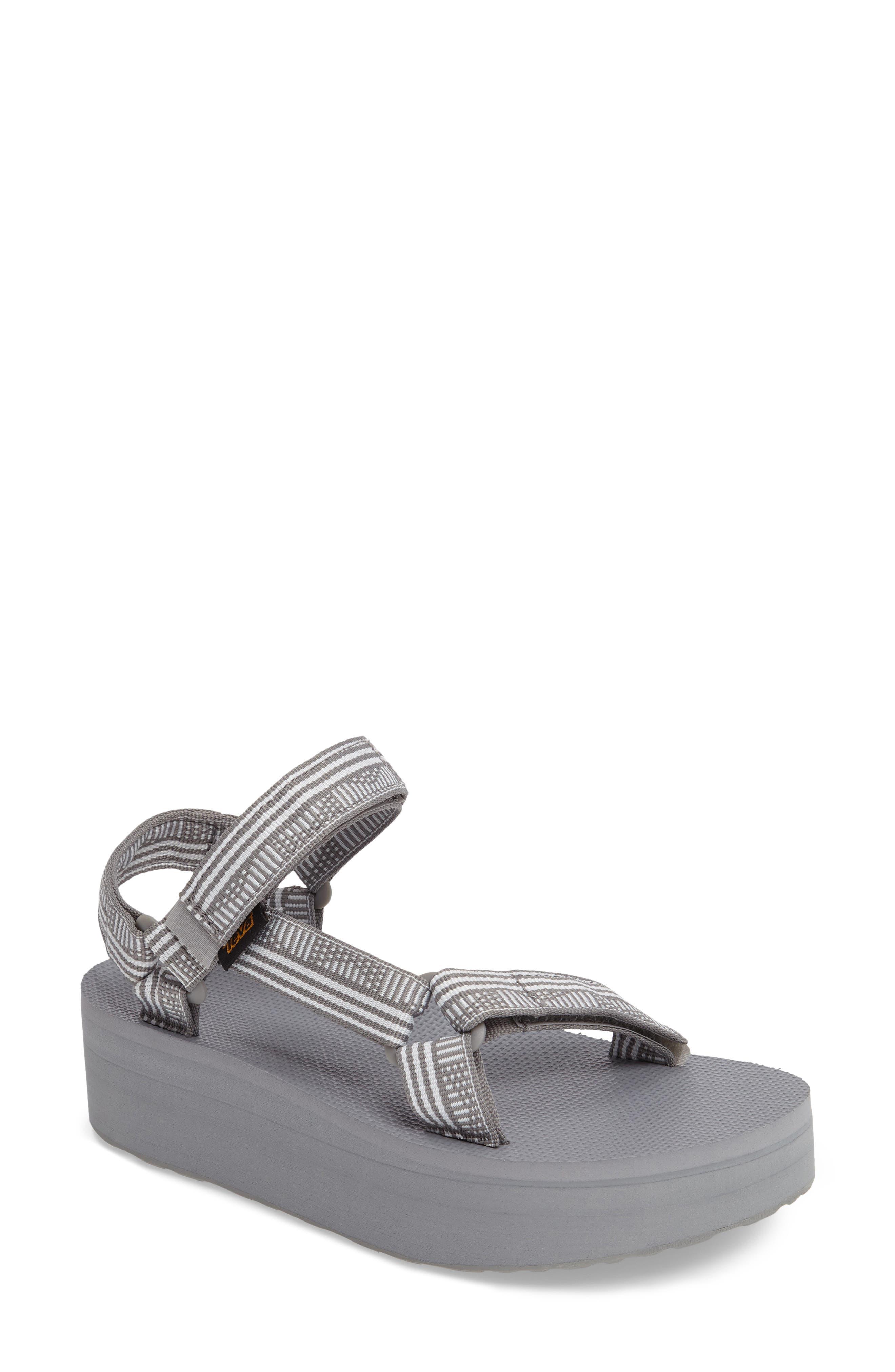 Alternate Image 1 Selected - Teva 'Universal' Flatform Sandal (Women)
