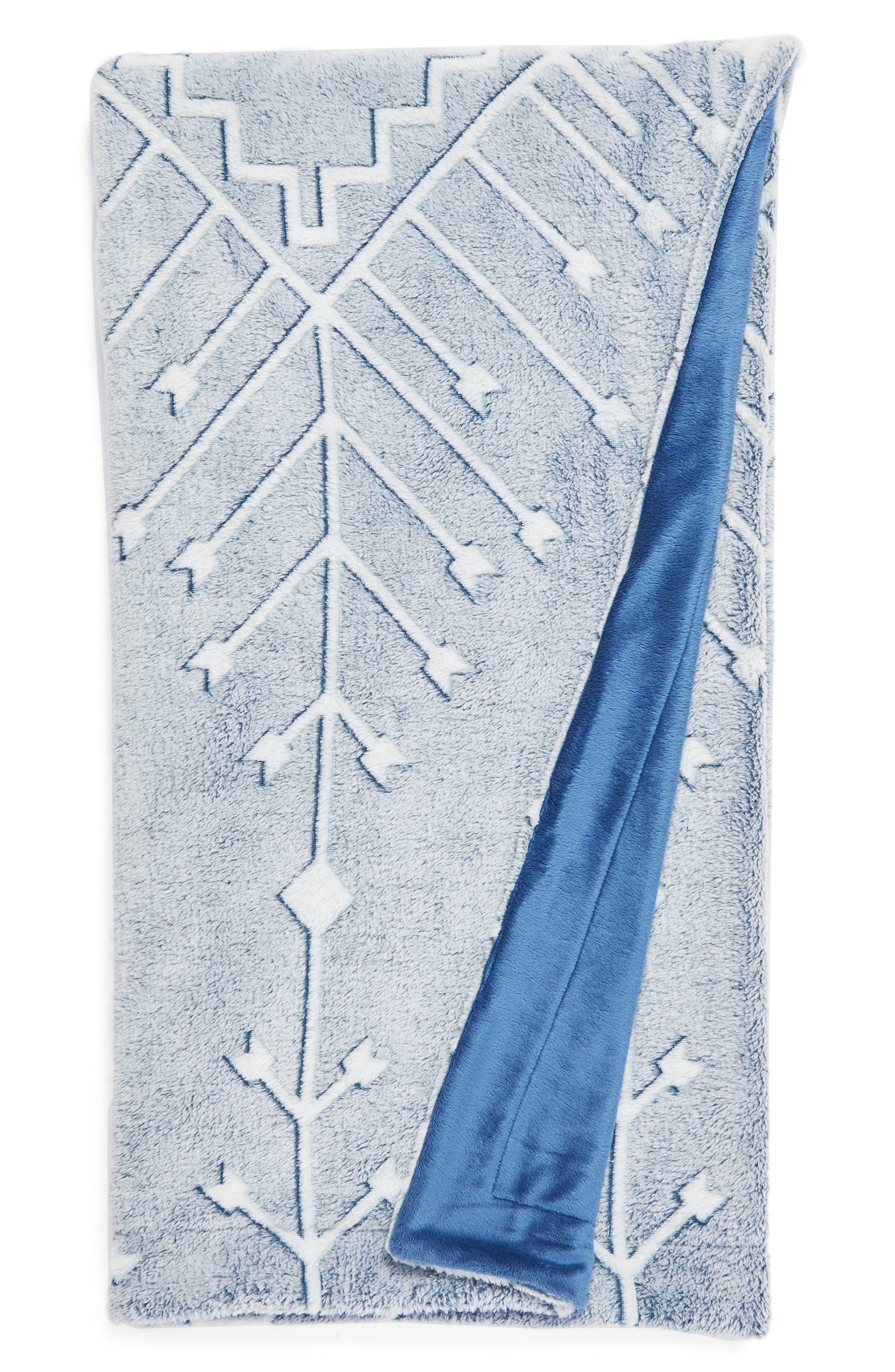 Nordstrom at Home Kilim Plush Jacquard Throw Blanket