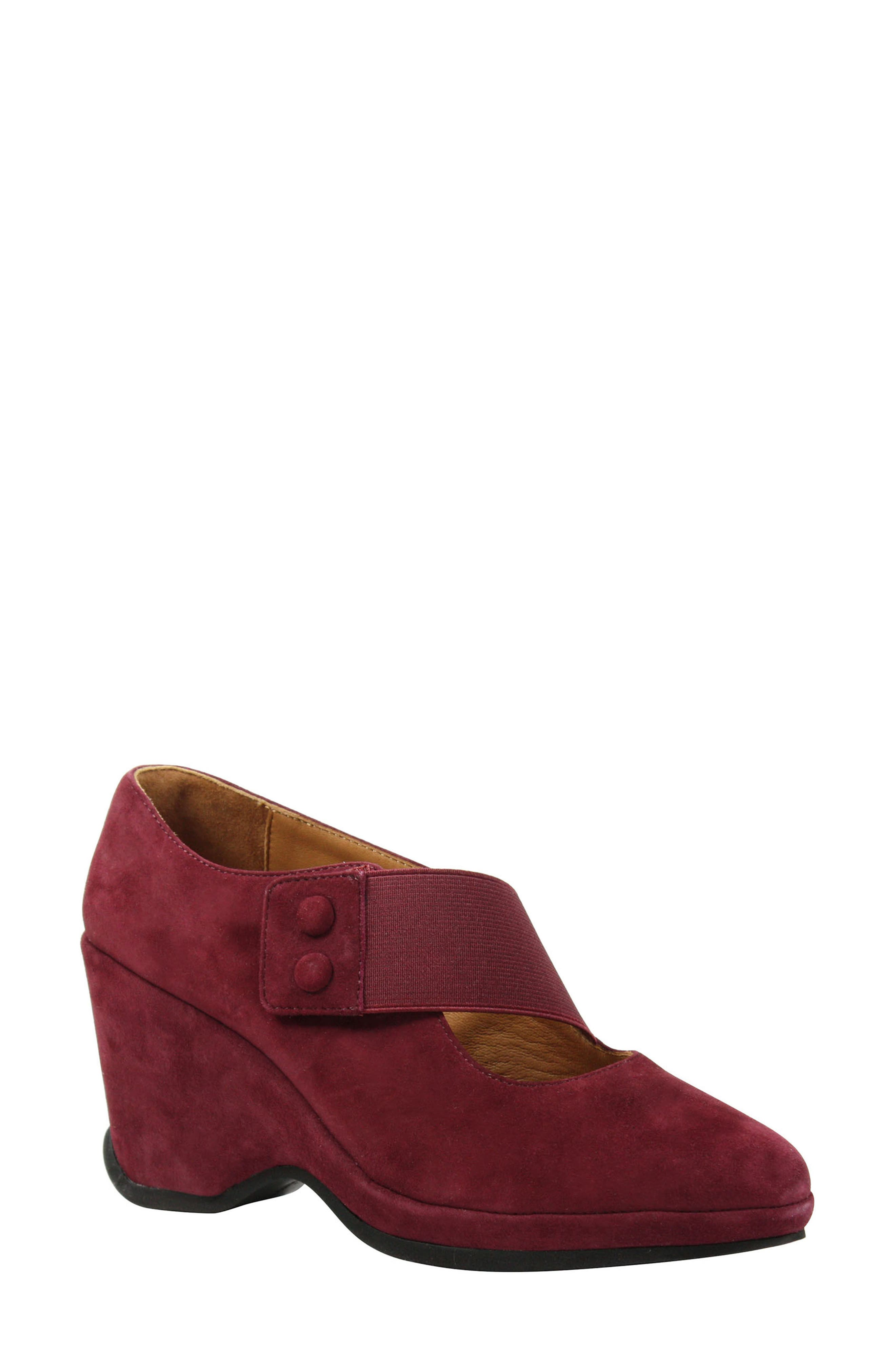 L'Amour des Pieds Oriana Wedge (Women)