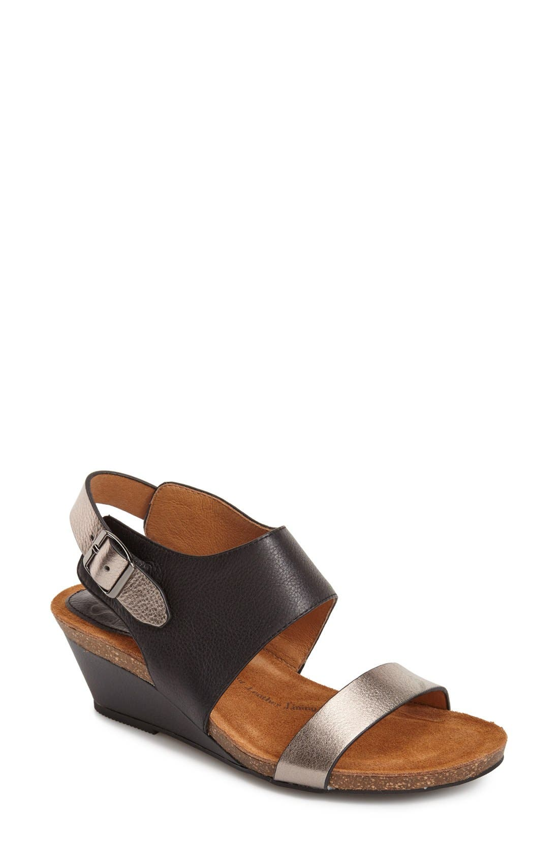 Söfft 'Vanita' Leather Sandal (Women)