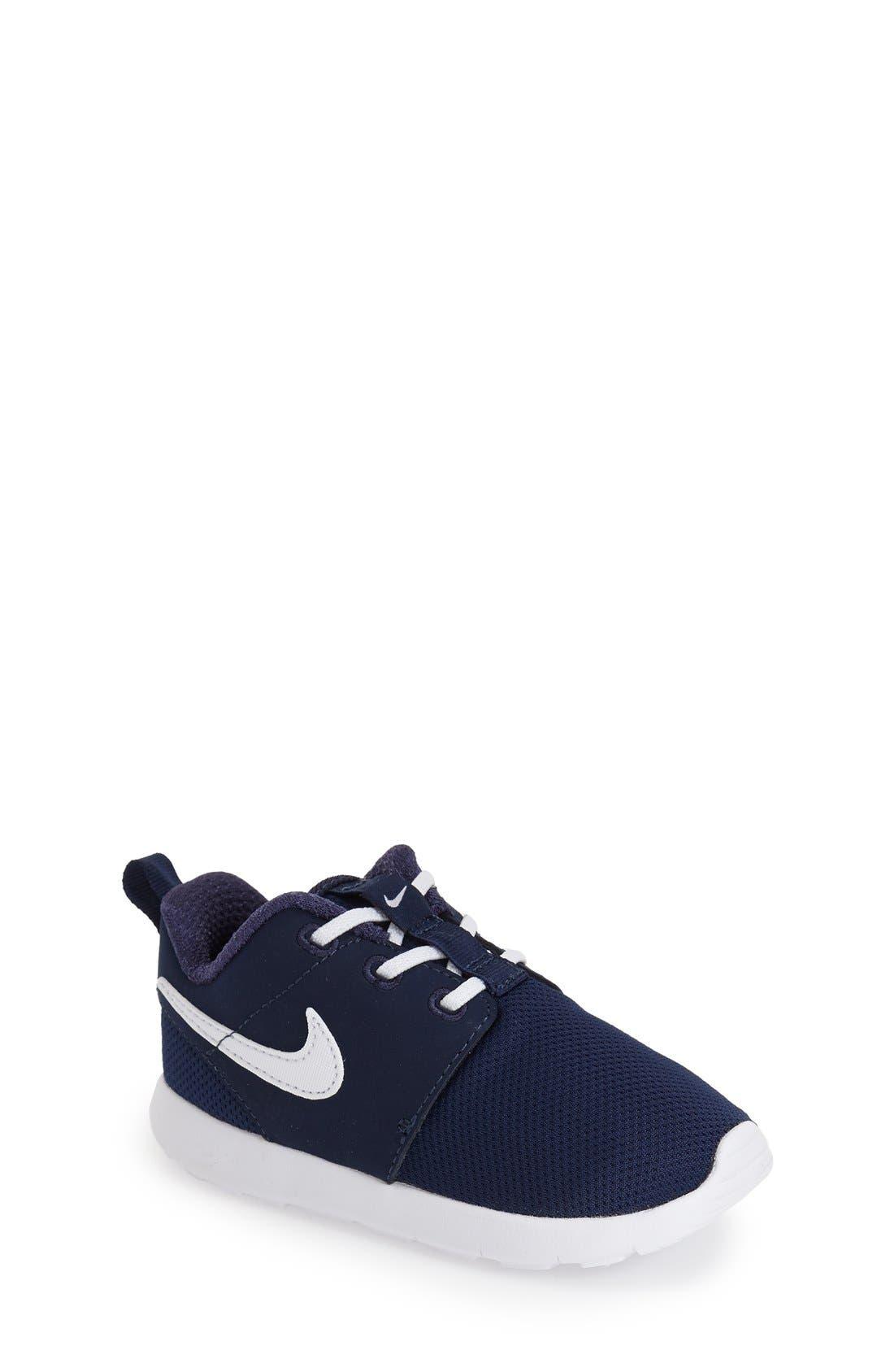 NIKE 'Roshe Run' Sneaker