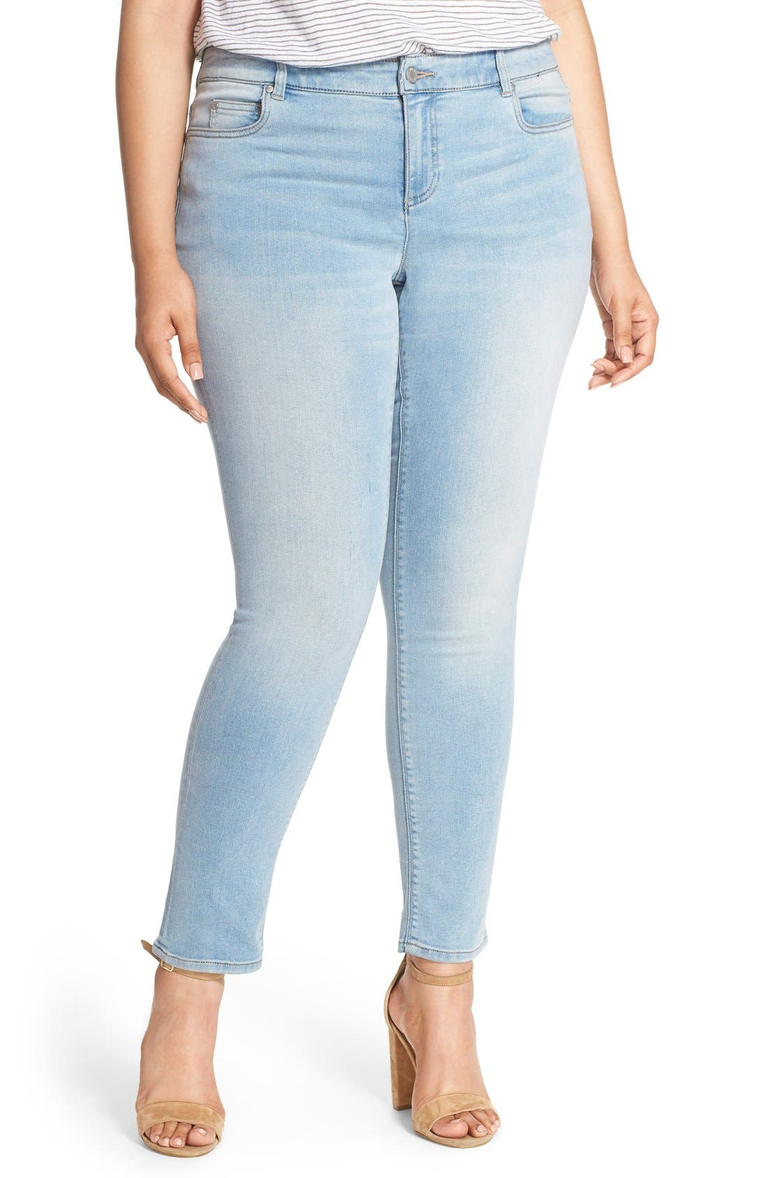 Main Image - Two by Vince Camuto Super Stretch Skinny Jeans (Plus Size)