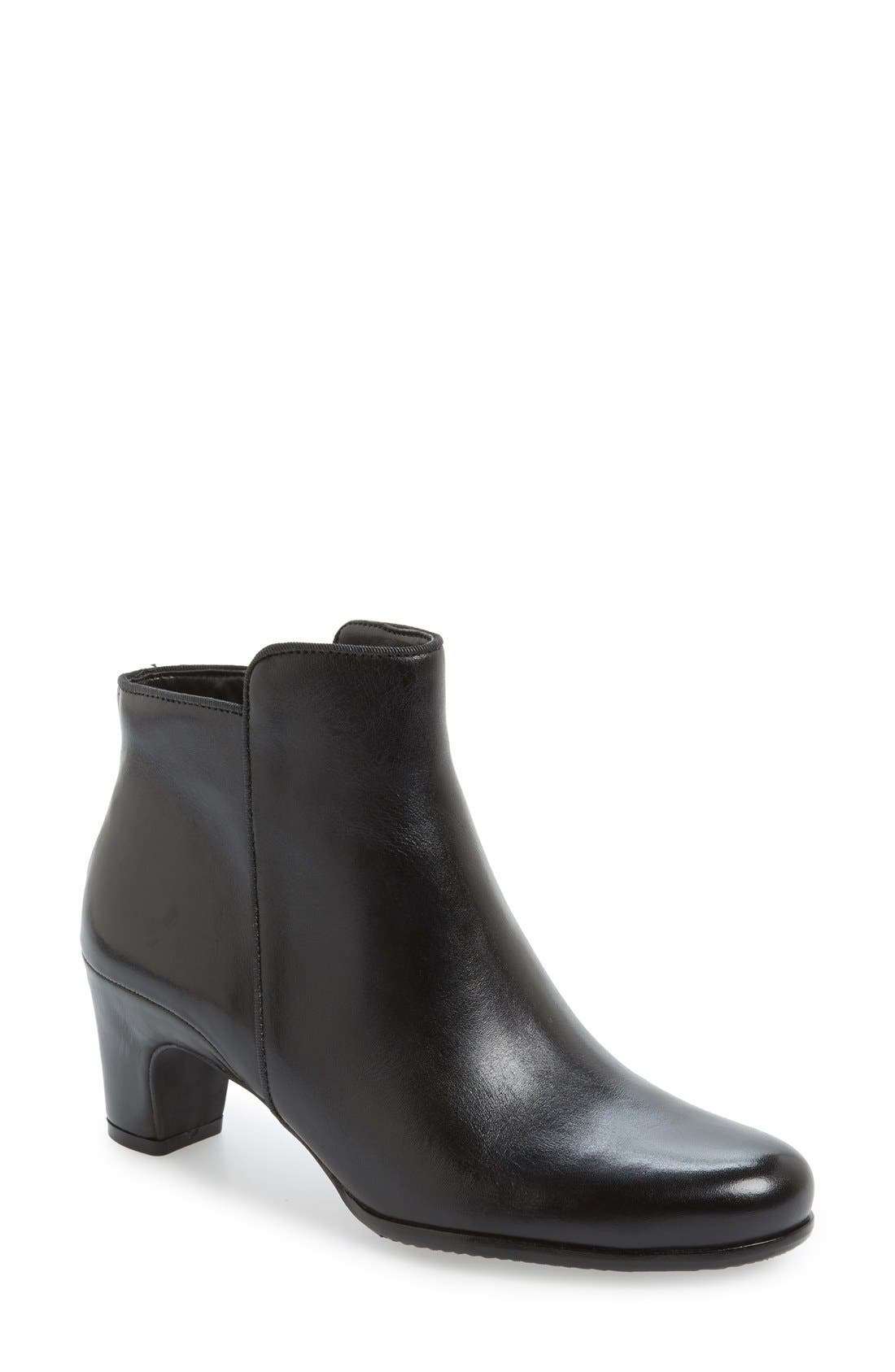 ECCO 'Alliston' Mid Bootie (Women)