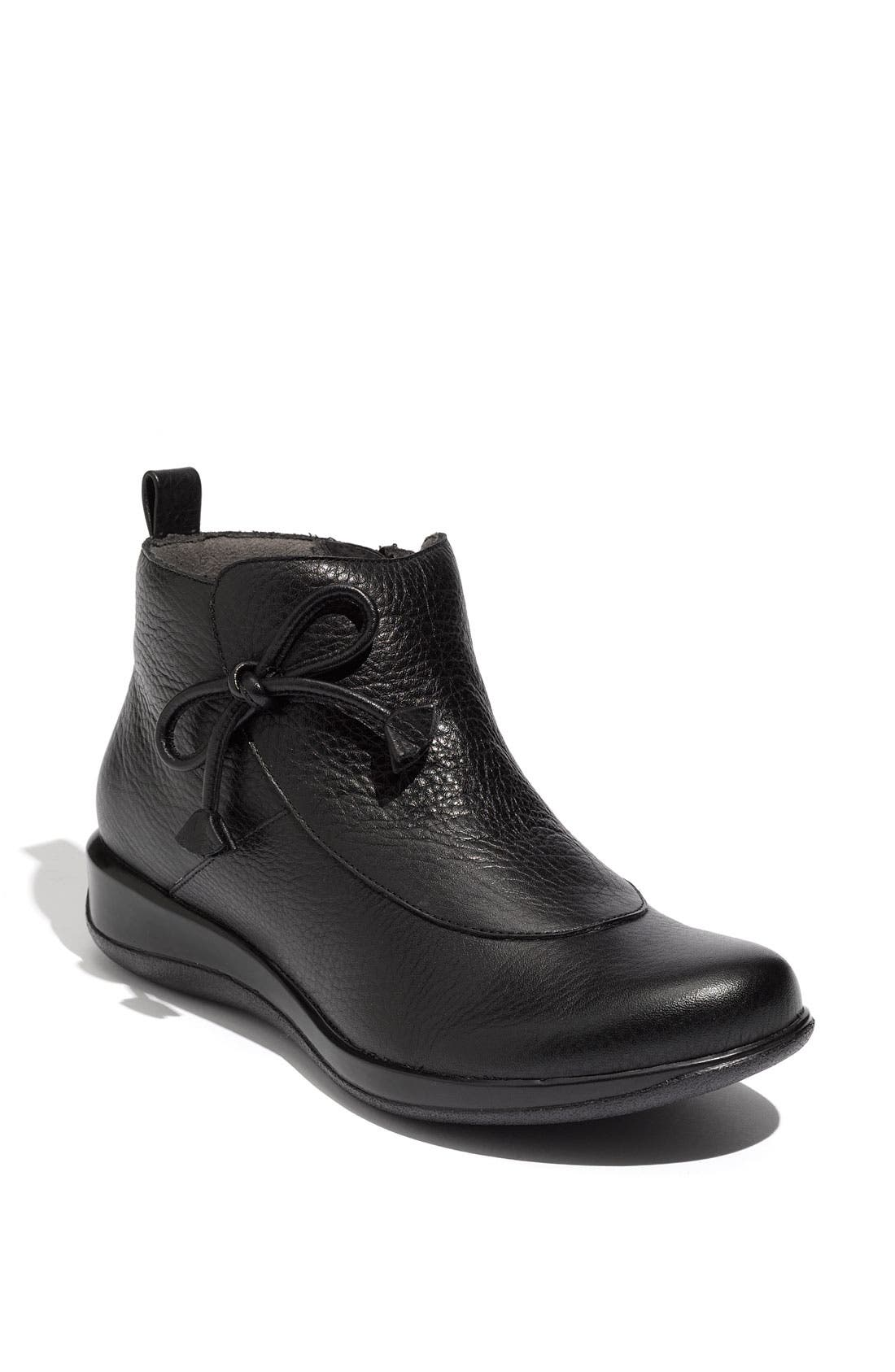 Alternate Image 1 Selected - SoftWalk® 'Trieste' Boot