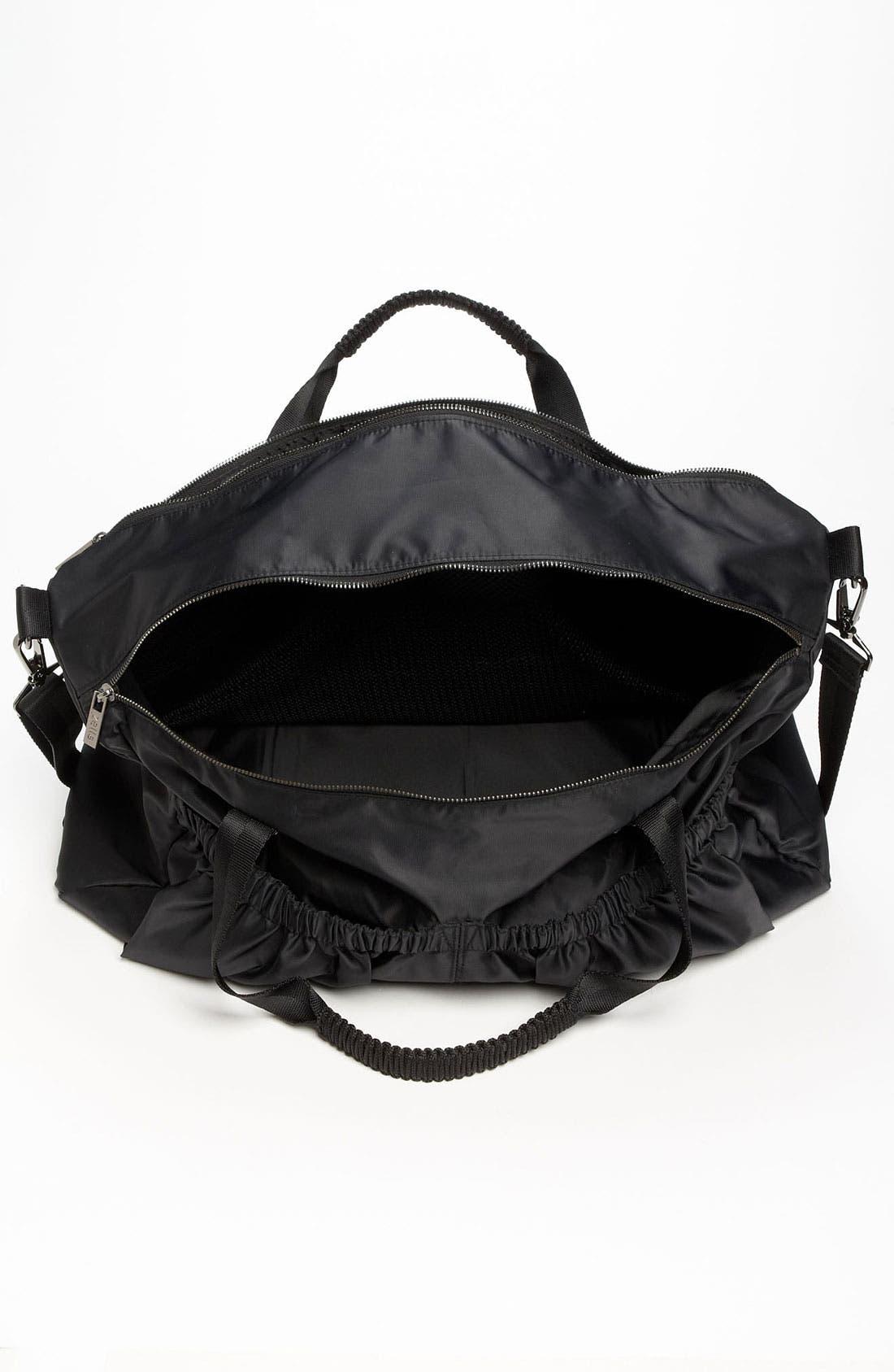 Alternate Image 3  - Zella Pocketed Duffel Bag