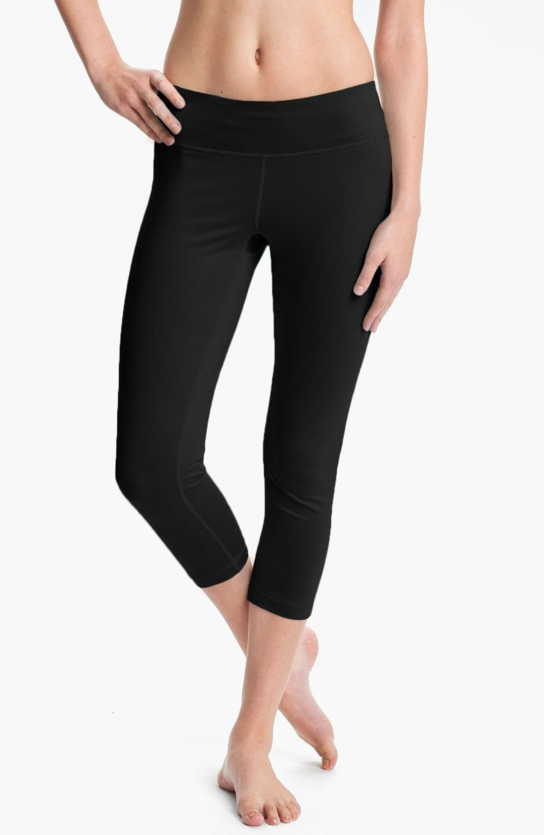 Main Image - Zella 'Live In - Streamline' Mesh Inset Capri Leggings