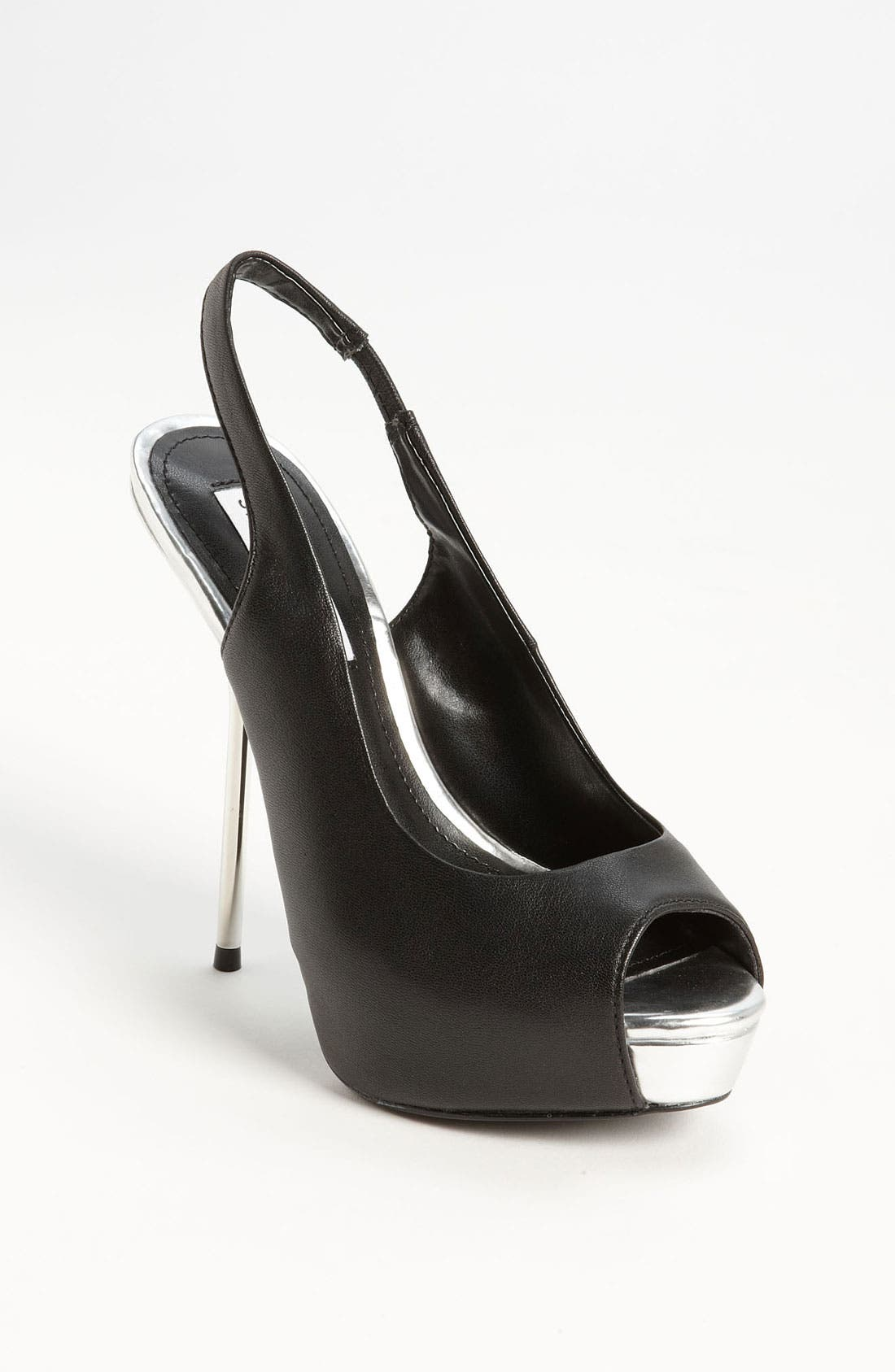 Alternate Image 1 Selected - Steve Madden 'Hayven' Pump