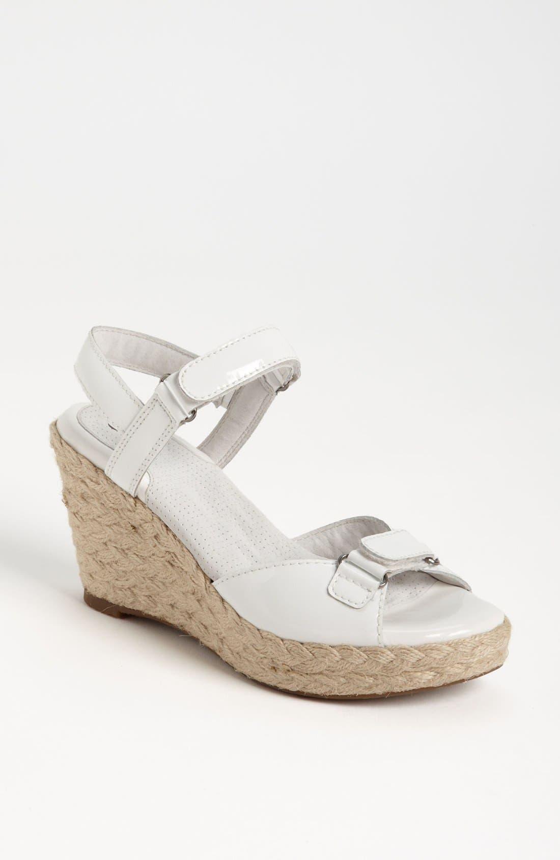 Alternate Image 1 Selected - SoftWalk® 'San Marino' Sandal