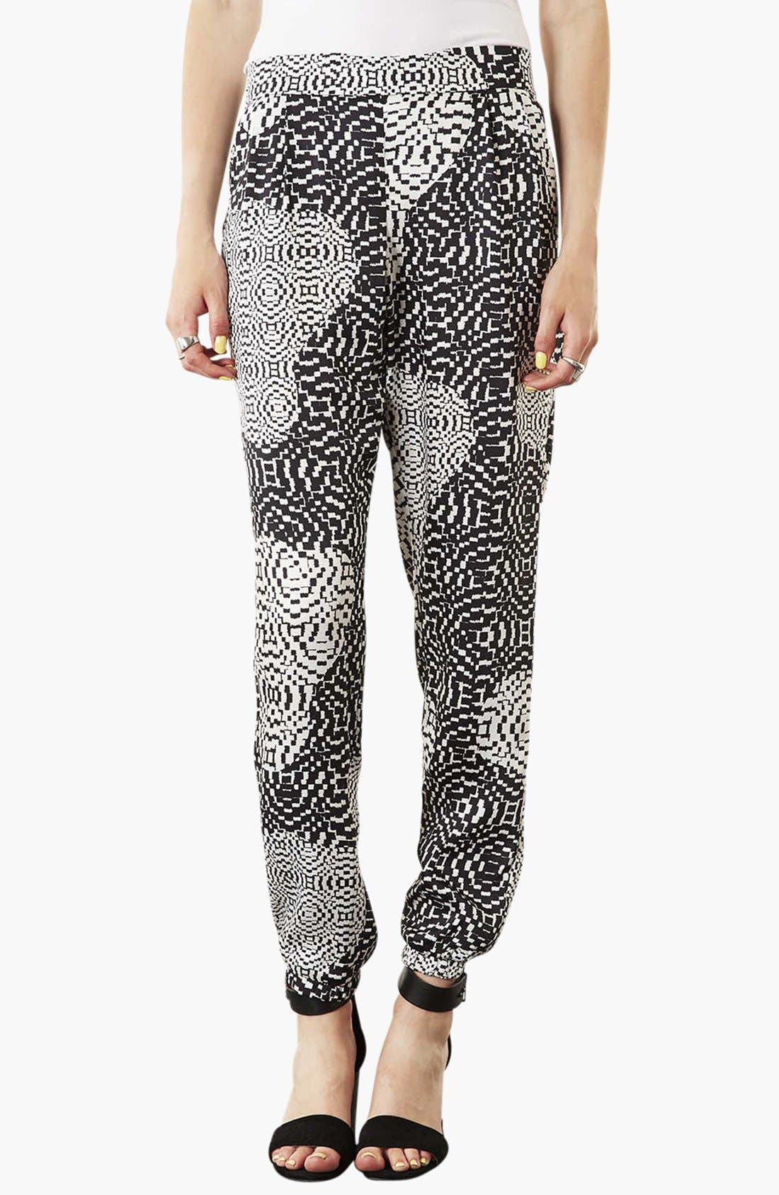 Main Image - Topshop Print Jogging Pants