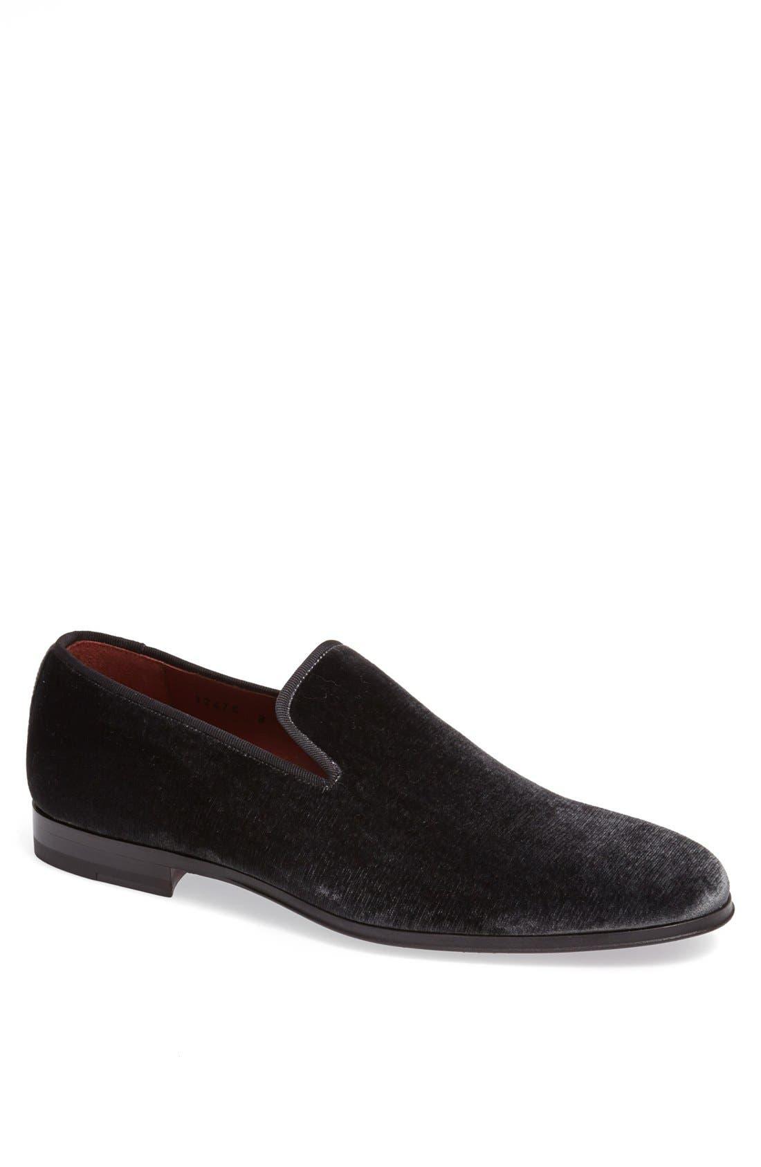 Main Image - Magnanni 'Dorio' Velvet Venetian Loafer