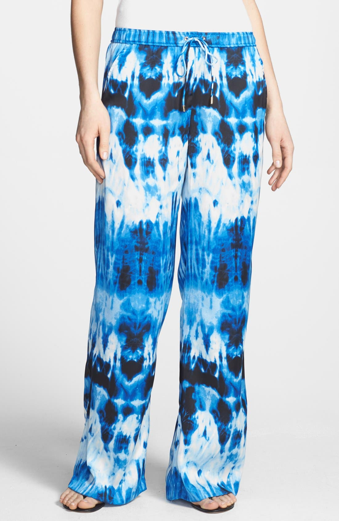 Alternate Image 1 Selected - MICHAEL Michael Kors Print Wide Leg Pants