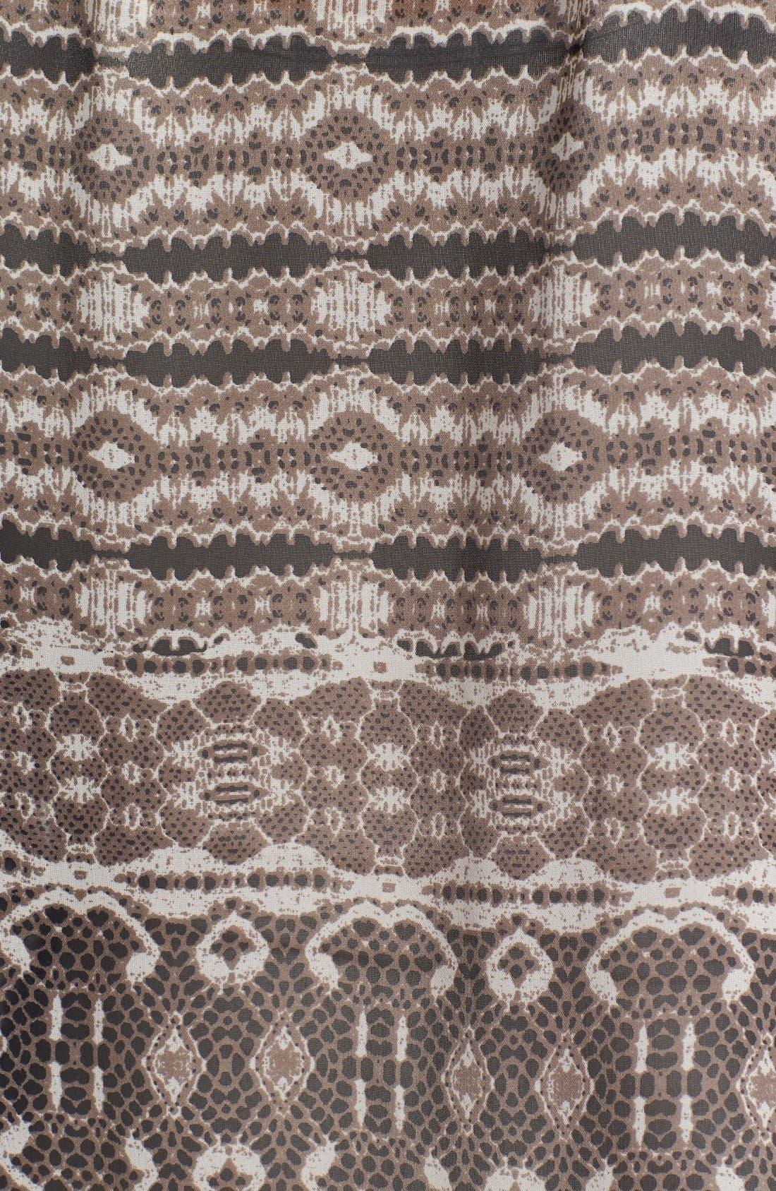 Alternate Image 3  - Bobeau Front Pocket Print Top
