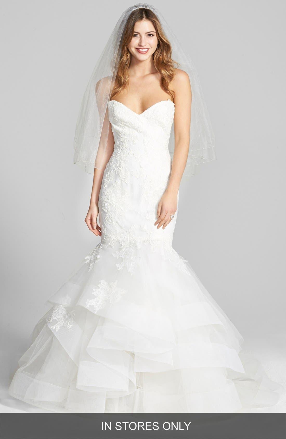 BLISS MONIQUE LHUILLIER Lace & Tulle Mermaid Dress