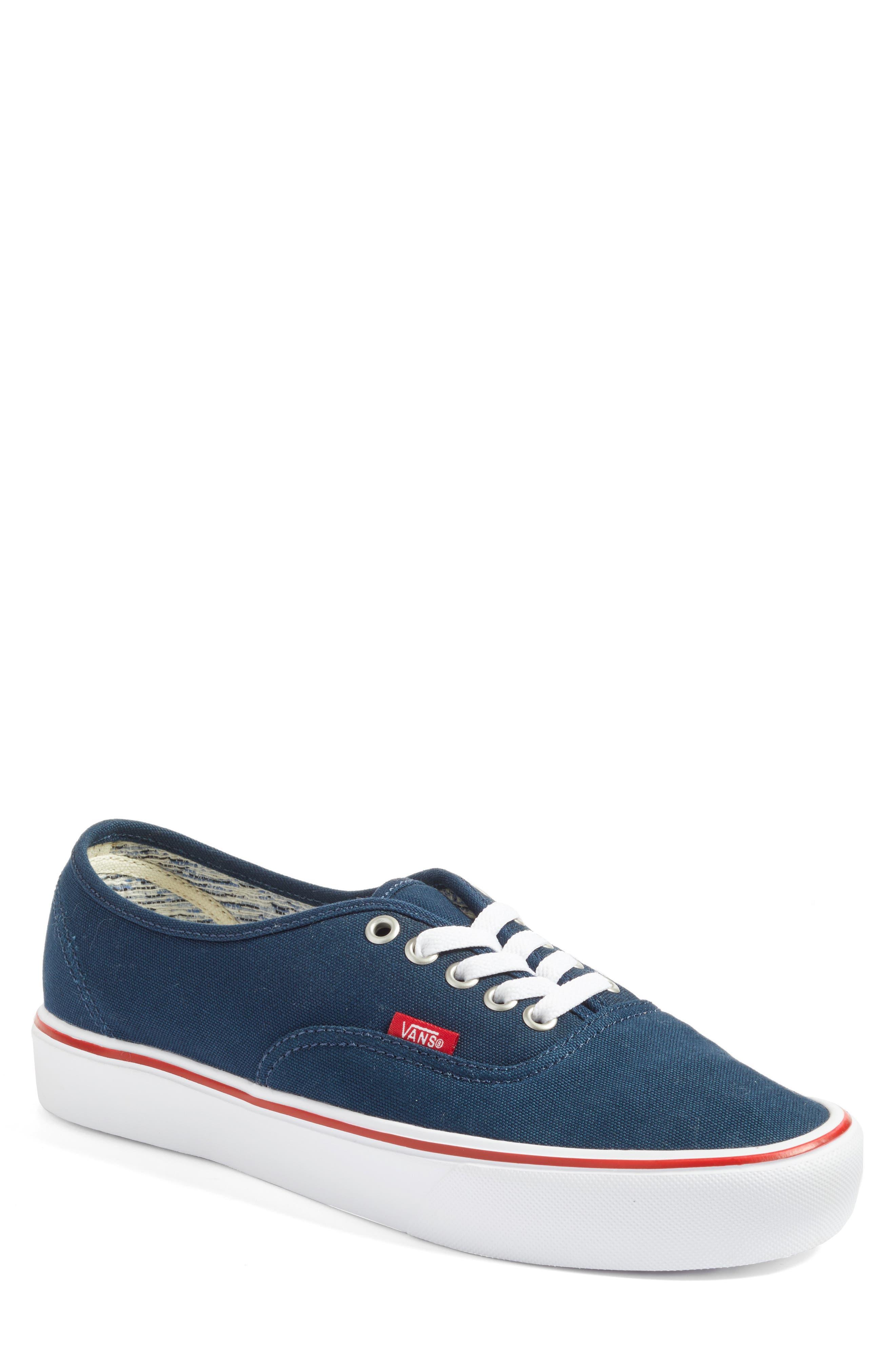 Vans UA Authentic Lite Sneaker (Men)