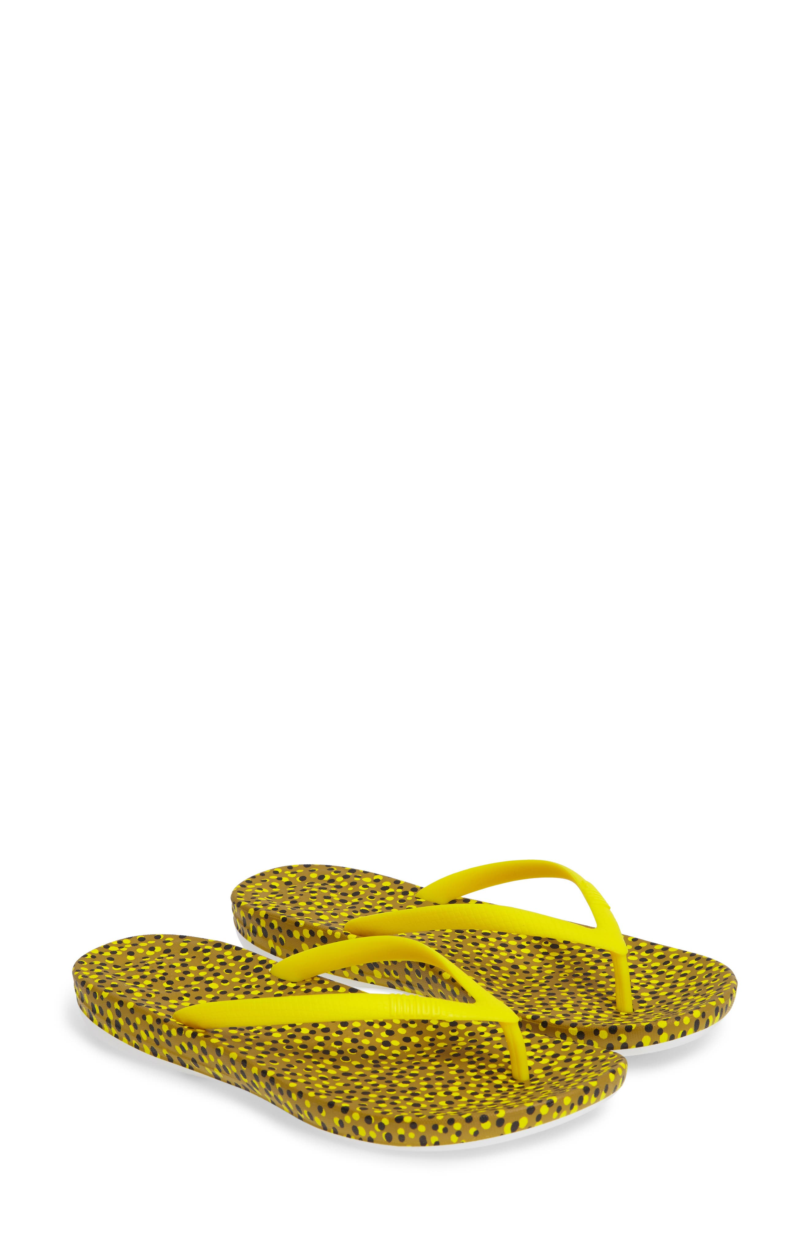 FitFlop iQUSHION™ Ergonomic Flip Flop (Women)