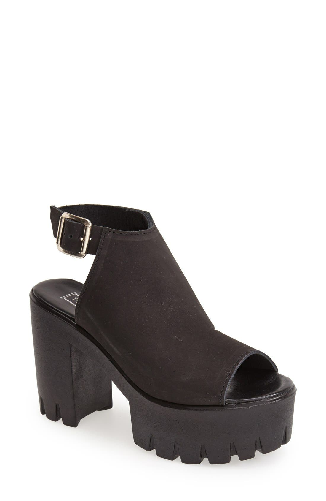 Alternate Image 1 Selected - Topshop 'Lily' Platform Sandal (Women)