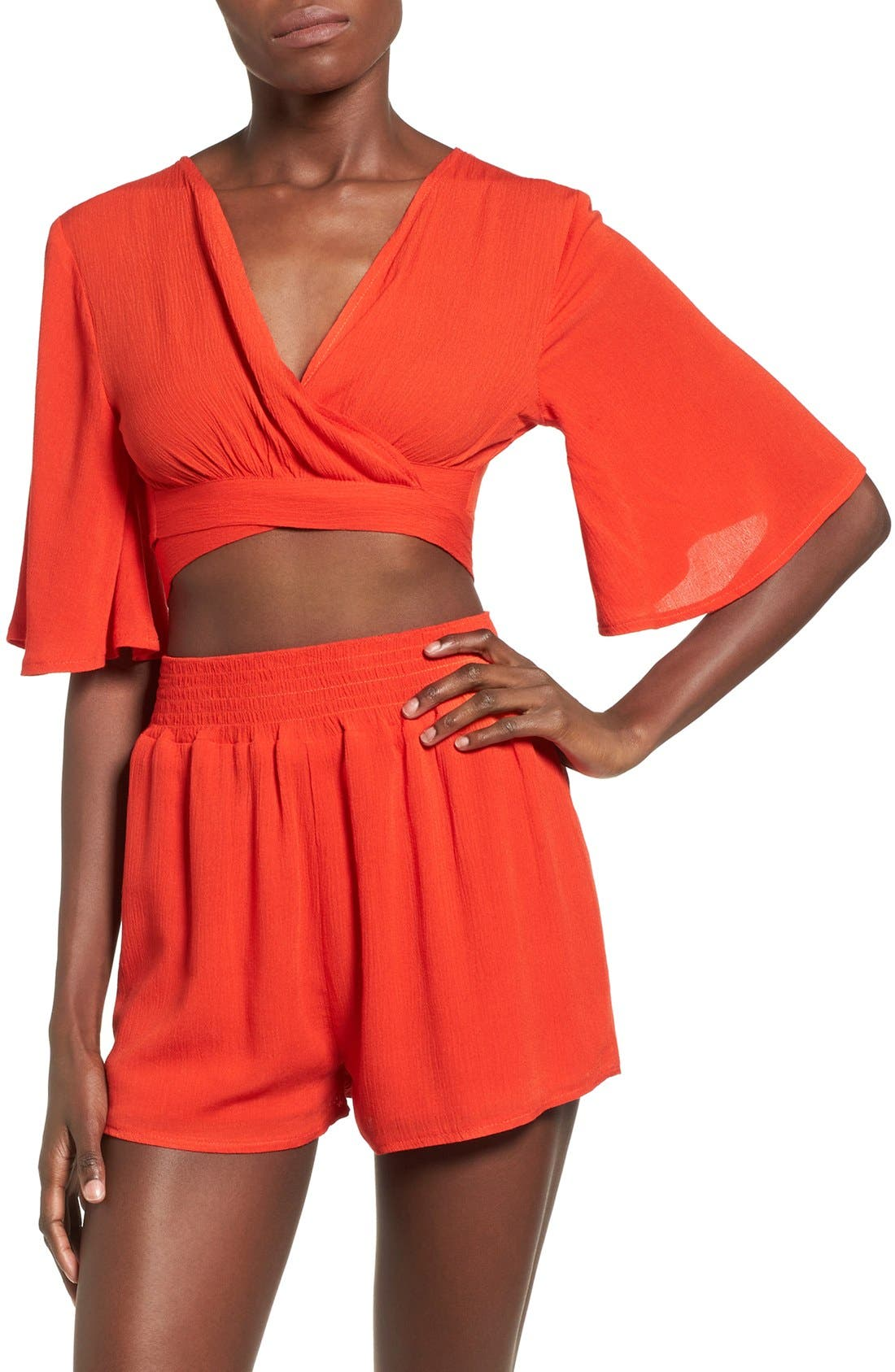 Main Image - Missguided Crepe Wrap Crop Top