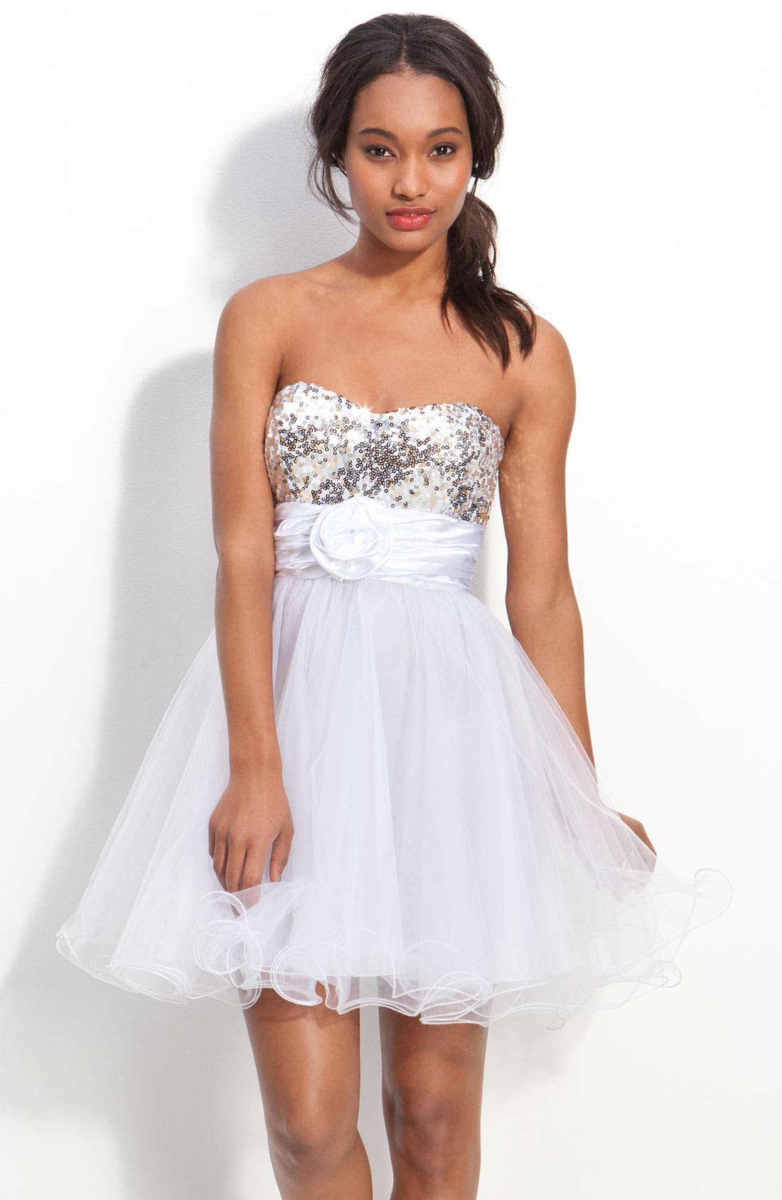 Main Image - Accidentally In Love Strapless Sequin & Tulle Party Dress (Juniors)