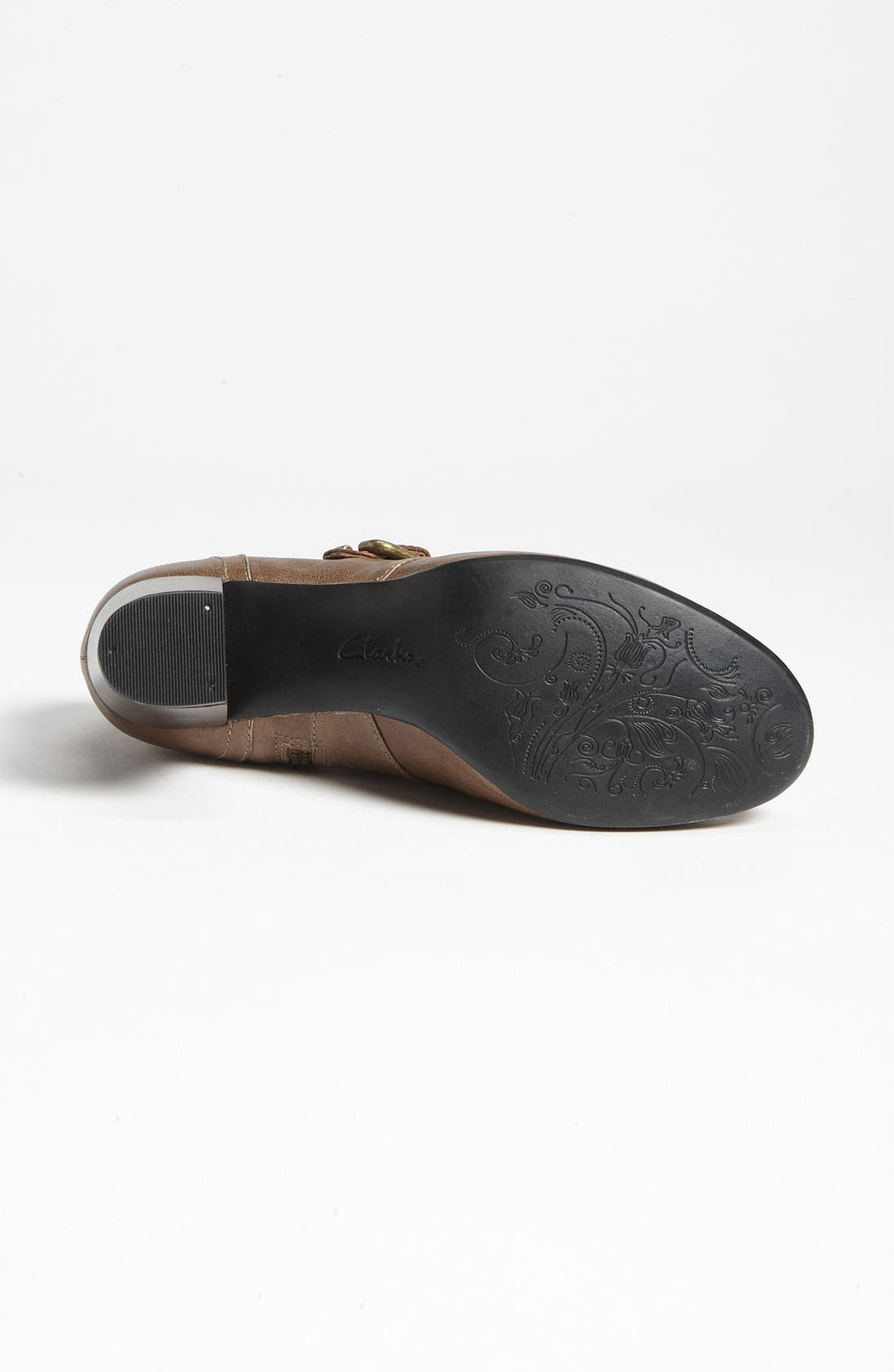 Alternate Image 3  - Clarks® 'Town Club' Pump