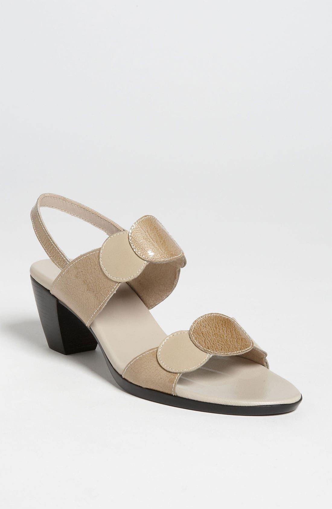 Alternate Image 1 Selected - Munro 'Solar' Sandal