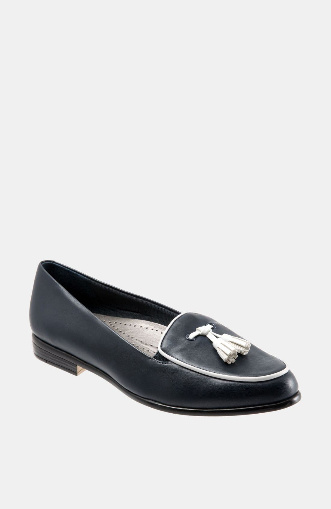 Alternate Image 1 Selected - Trotters 'Leana' Flat