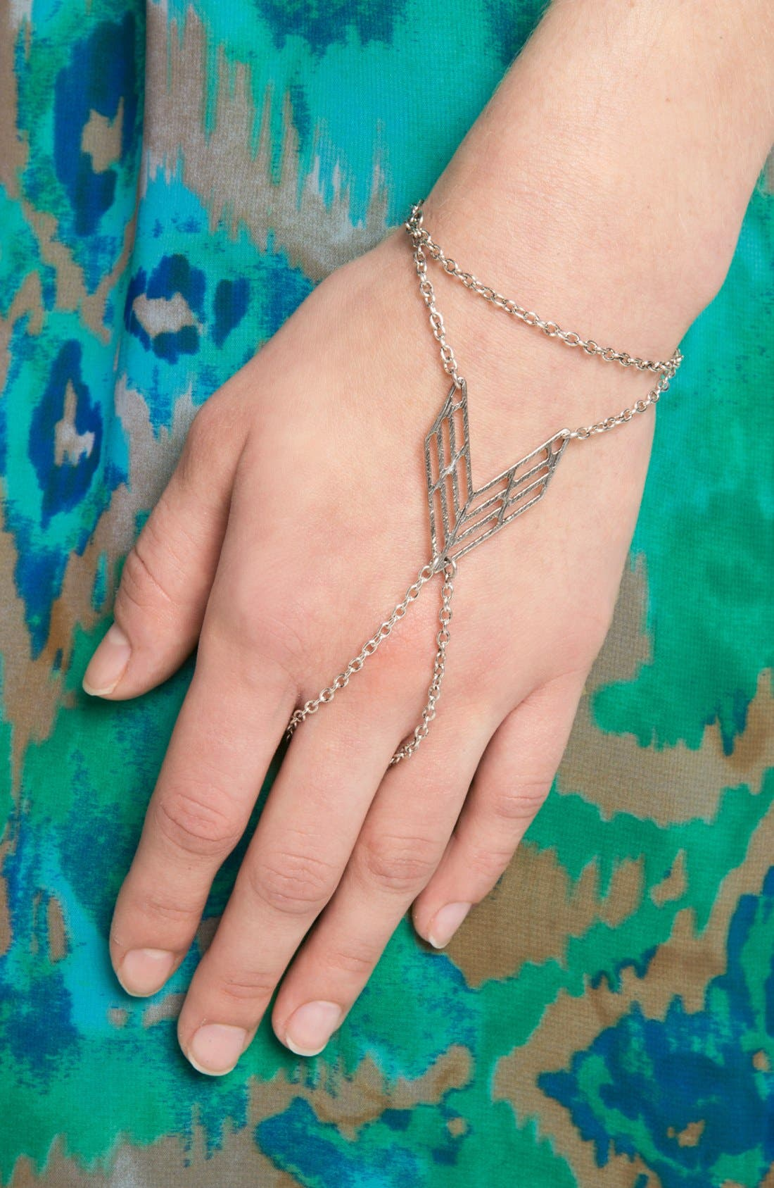 Main Image - Orion Chevron Hand Chain