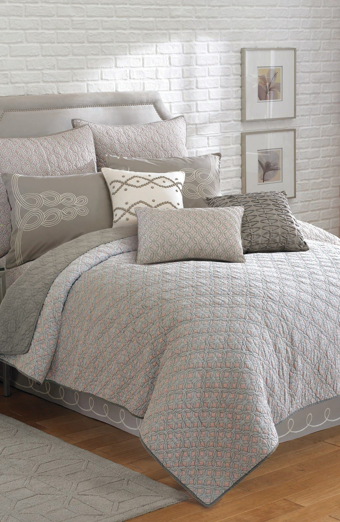 Main Image - Laundry by Shelli Segal 'Zoe' Coverlet